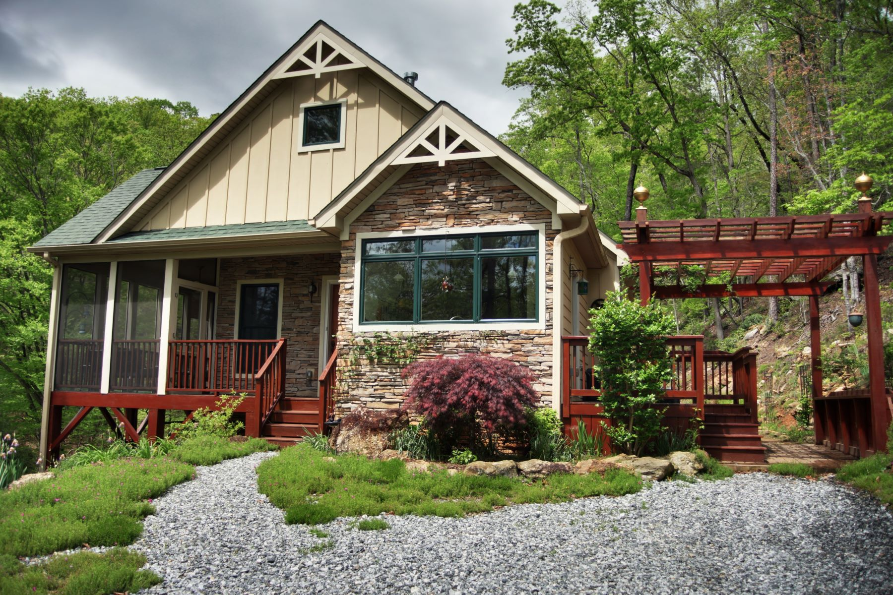 Single Family Home for Sale at 177 North Chase Lane Lake Lure, North Carolina, 28746 United States