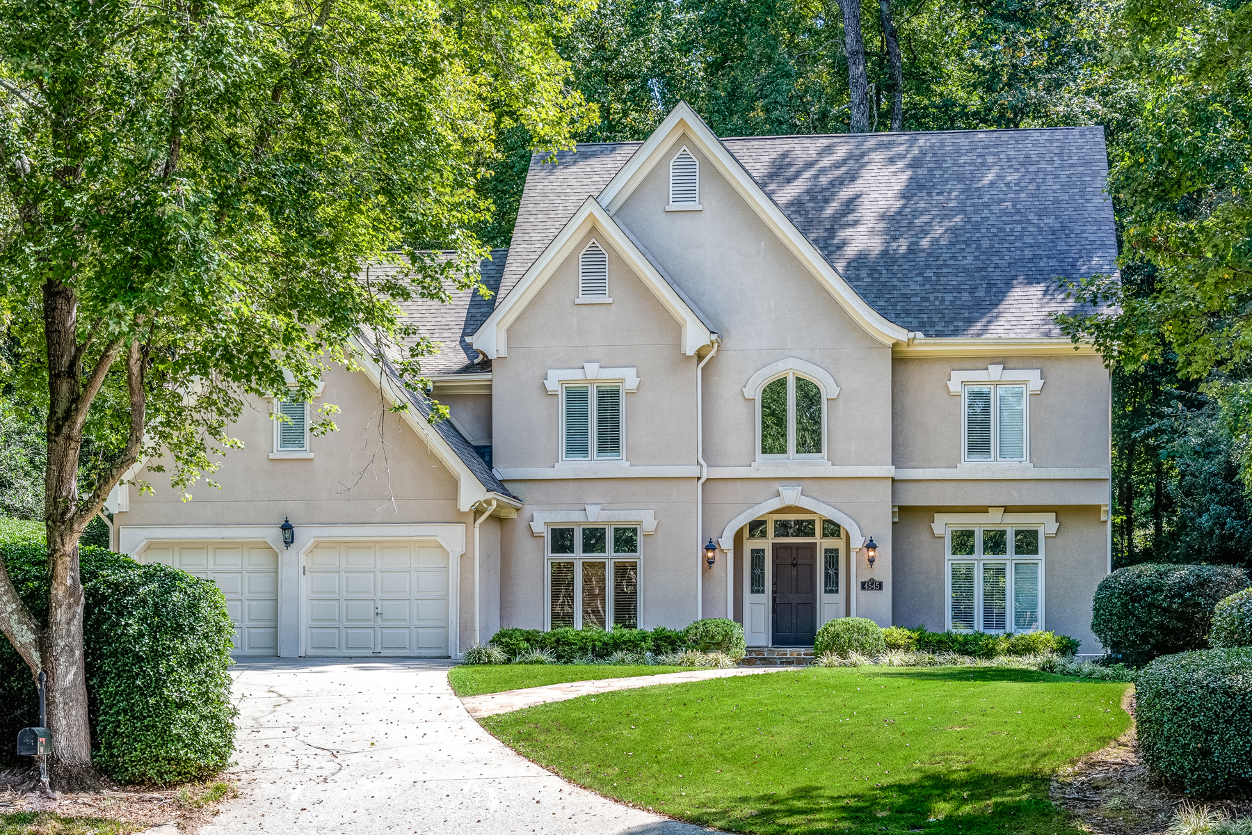 Single Family Home for Sale at Fantastic Location 4545 Crestwicke Pointe Sandy Springs, Georgia 30319 United States