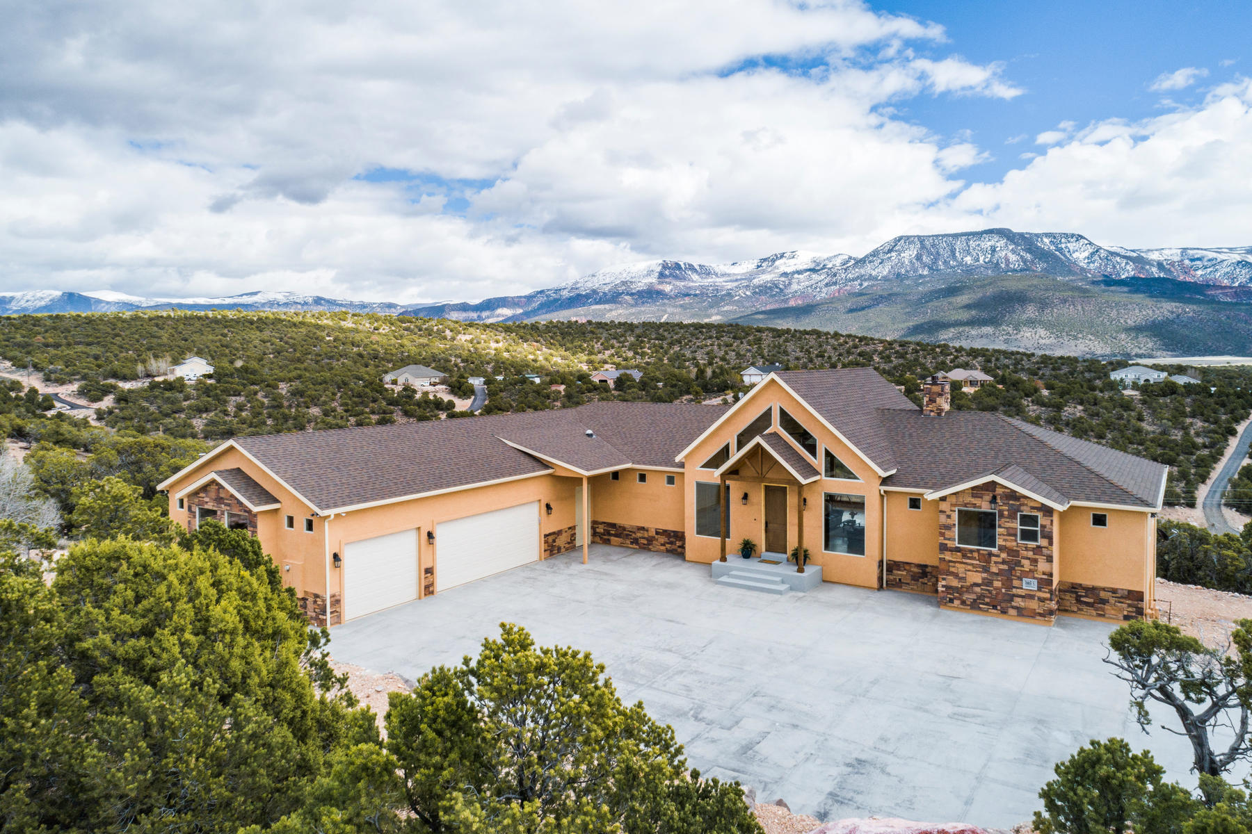 Single Family Homes for Active at Award Winning Mountain View Home 1665 S Hill Crest Dr Cedar City, Utah 84720 United States