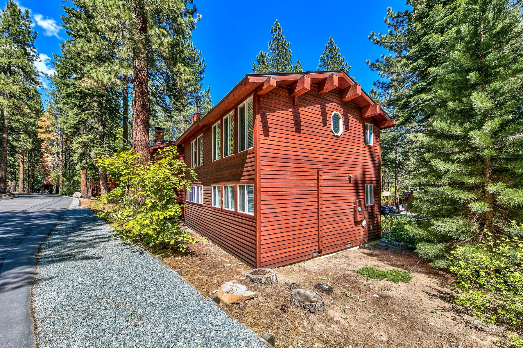 Additional photo for property listing at Tahoe Townhome 702 College Drive  #68 Incline Village, Nevada 89451 United States