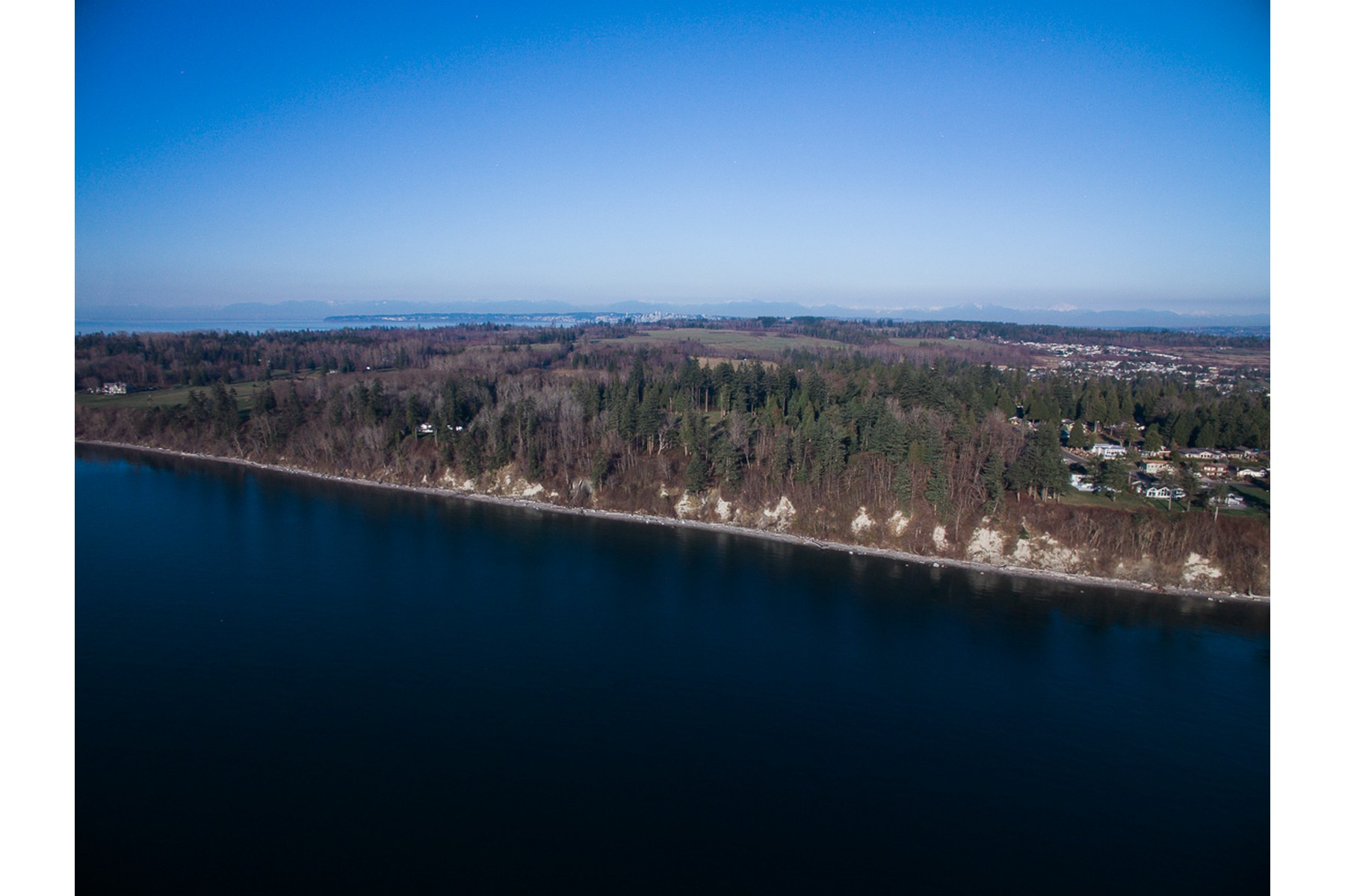 Additional photo for property listing at 105 Ocean Front Acres 7641 Birch Point Rd Blaine, Washington 98230 United States