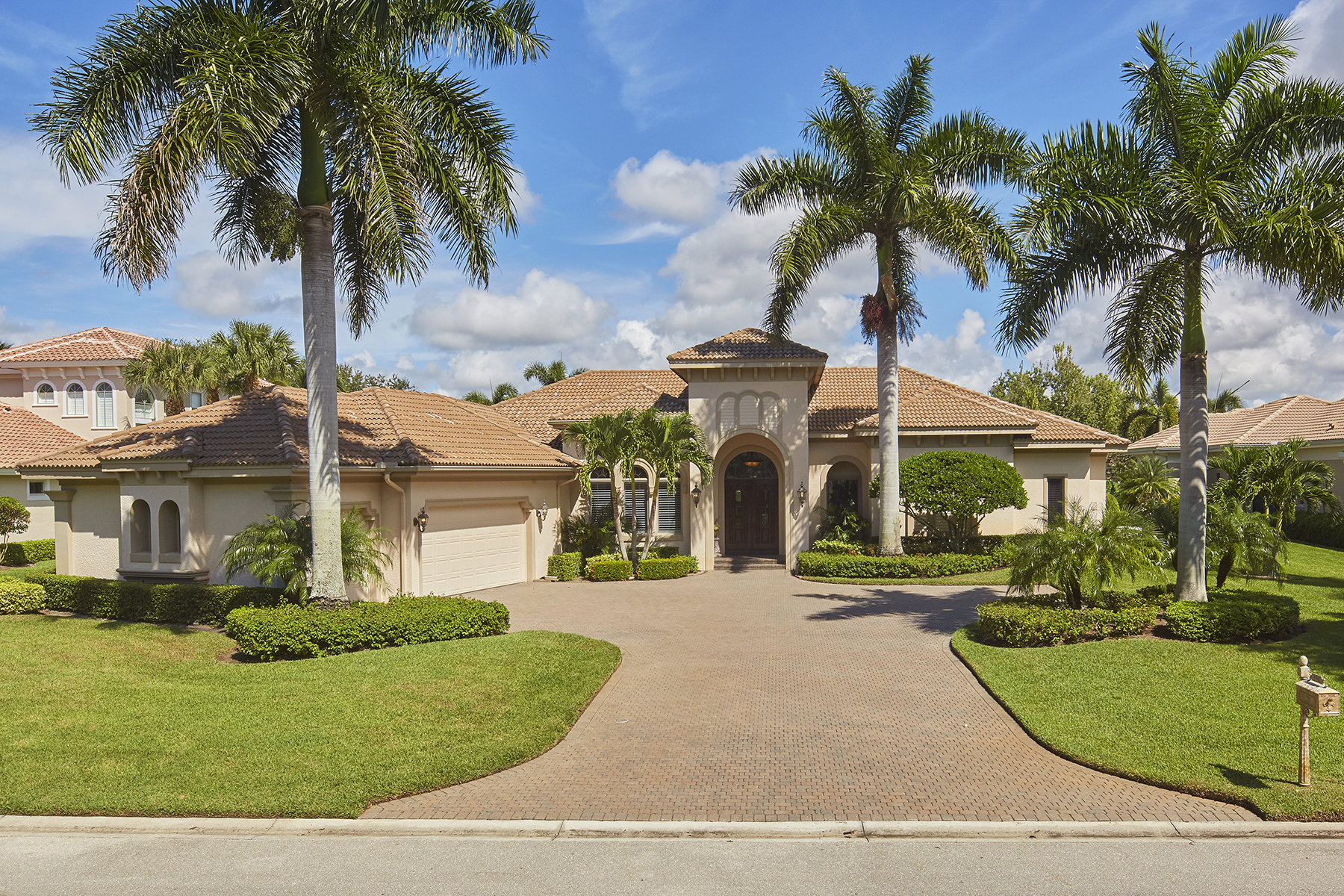 Single Family Homes for Sale at SHADOW WOOD - LAKE FOREST 9580 Lakebend Preserve Court, Estero, Florida 34135 United States