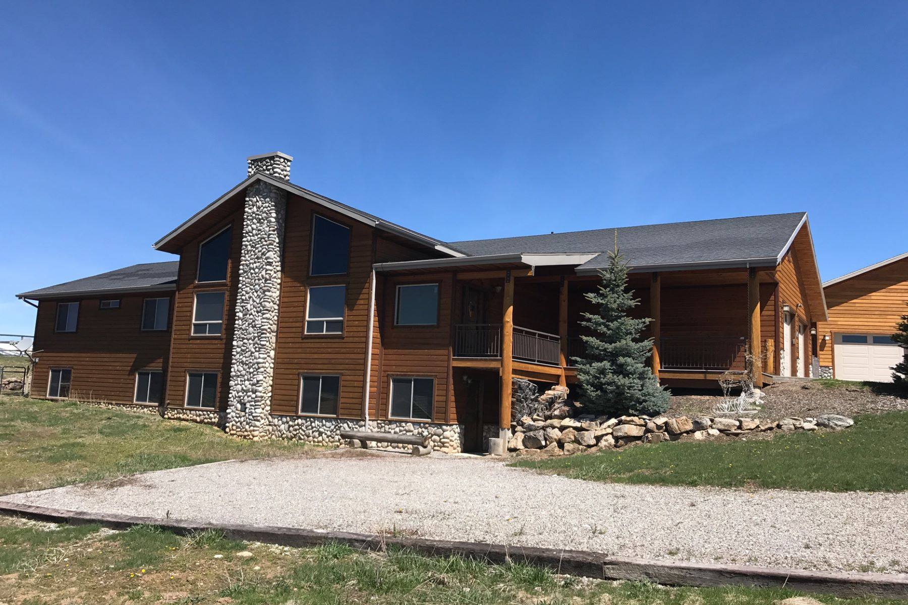 Maison unifamiliale pour l Vente à Extremely Well Maintained Home 265 Quaking Aspen Way, Etna, Wyoming, 83118 États-Unis