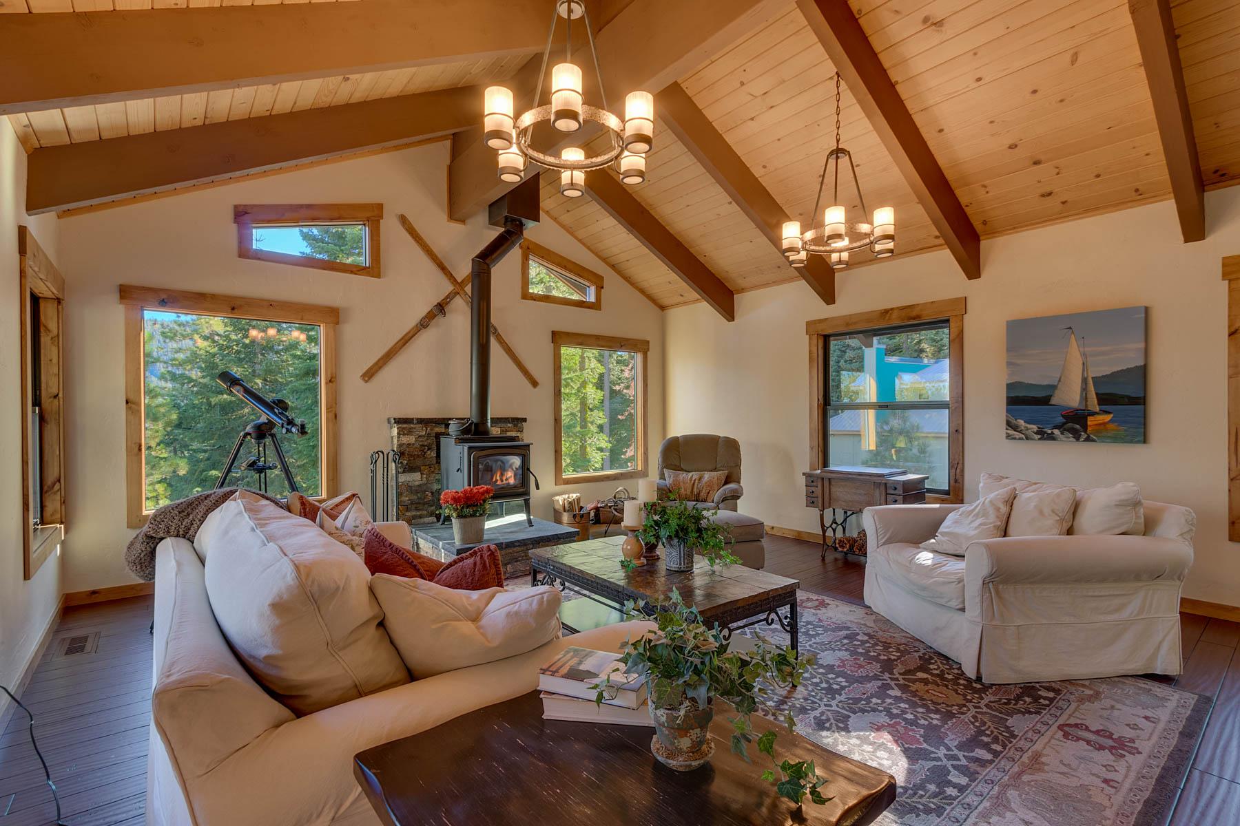 Additional photo for property listing at 4035 Zermatt Road, Tahoe City, Ca 96145 4035 Zermatt Road Tahoe City, California 96145 Estados Unidos