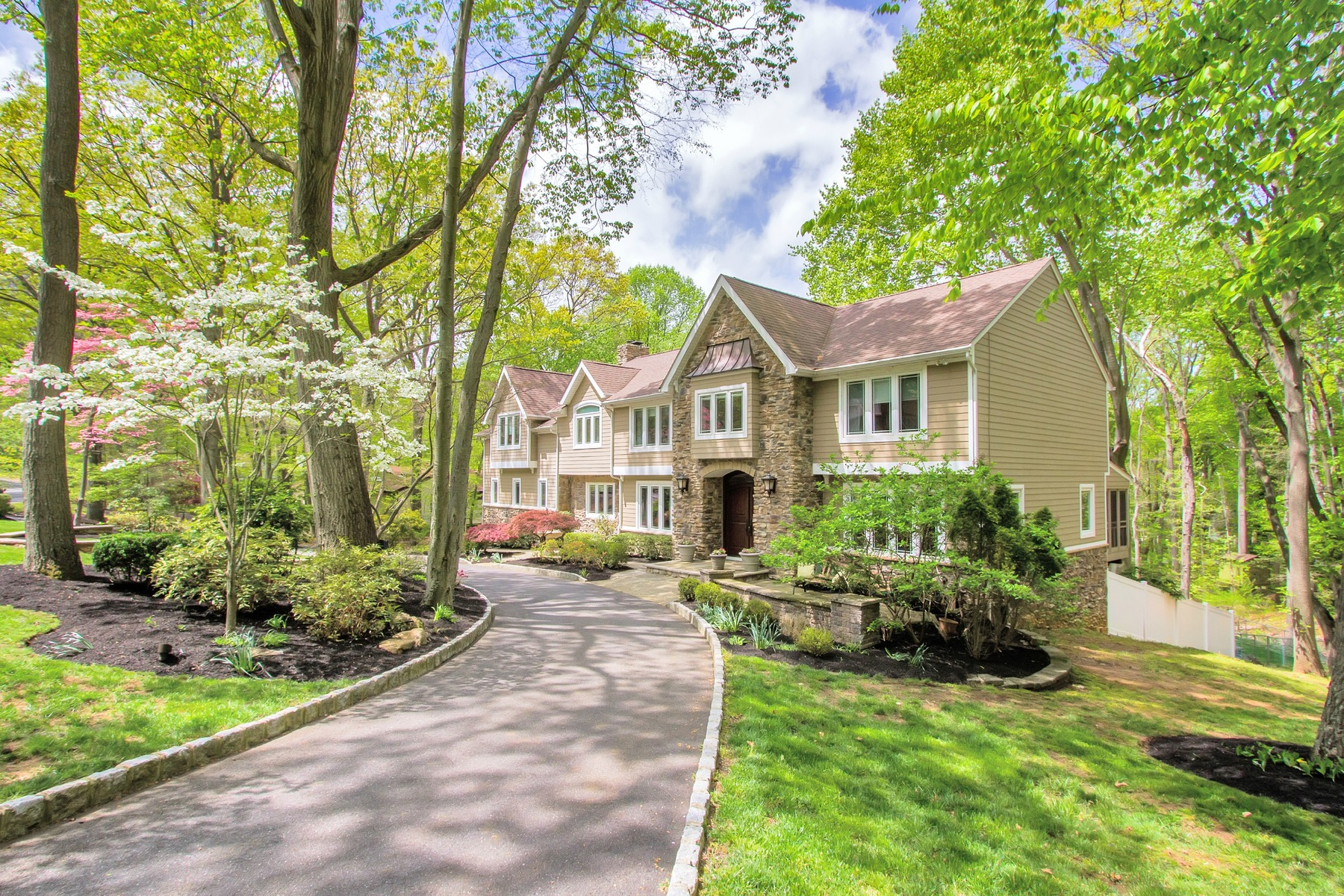 Single Family Home for Sale at Extensively Remodeled Custom Colonial 32 Seven Oaks Circle Holmdel, New Jersey 07733 United States
