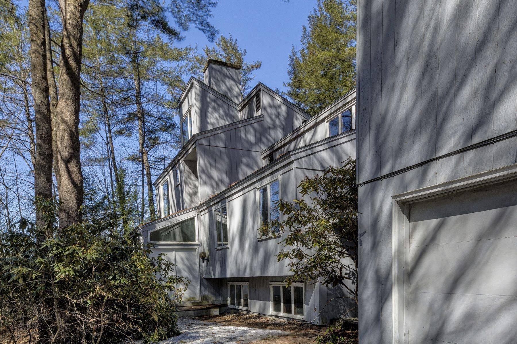 Single Family Home for Sale at 37 Highland Avenue, Lebanon 37 Highland Ave Lebanon, New Hampshire 03784 United States