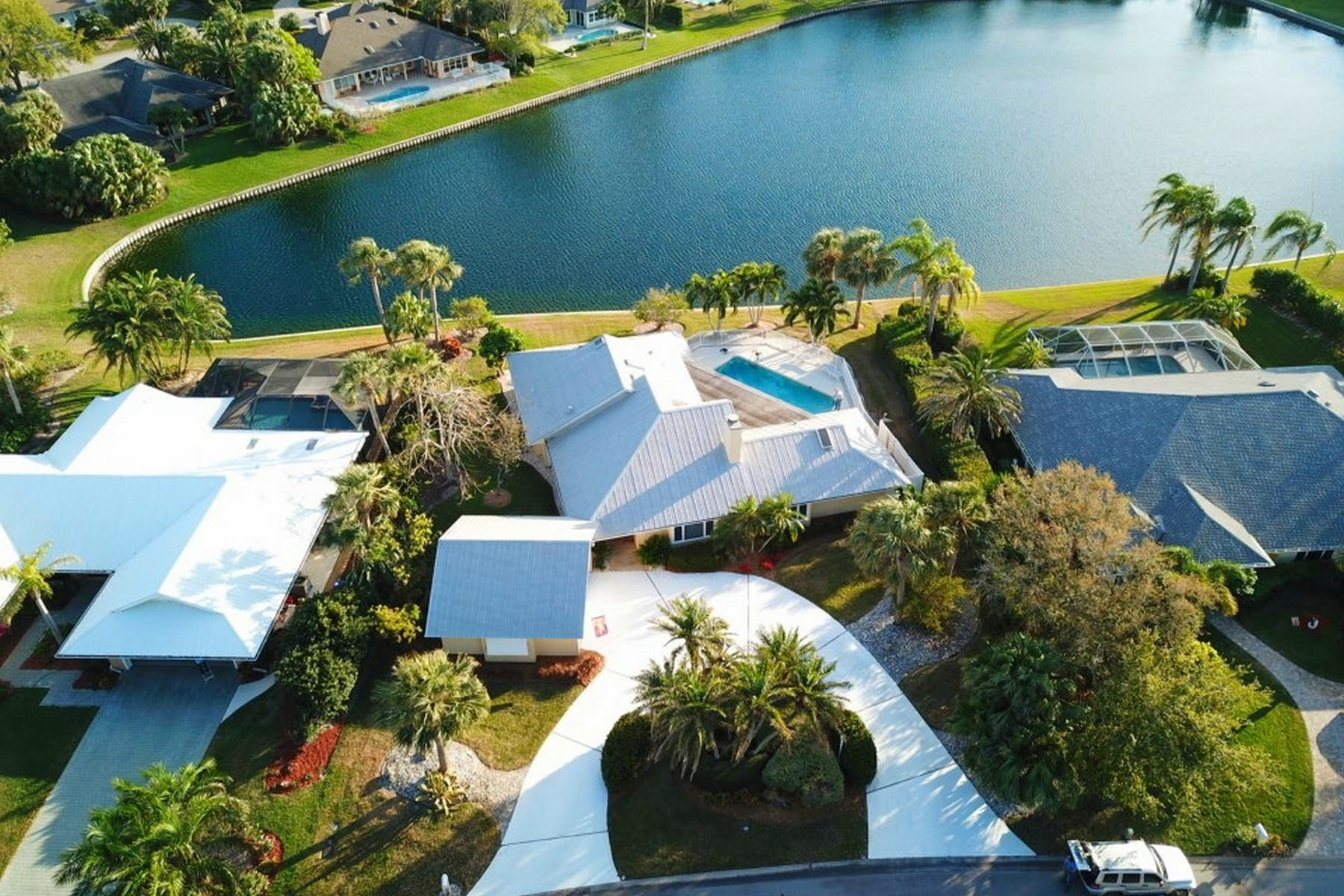 Single Family Home for Sale at Loving This Beach Paradise 32 Cache Cay Drive Vero Beach, Florida 32963 United States