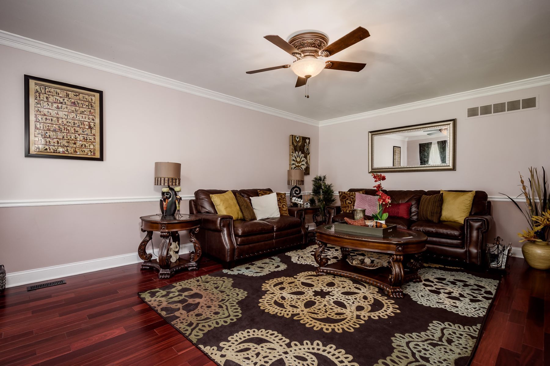 Additional photo for property listing at Richly Appointed and Warmly Welcoming 1 Ellsworth Drive, West Windsor, New Jersey 08550 United States