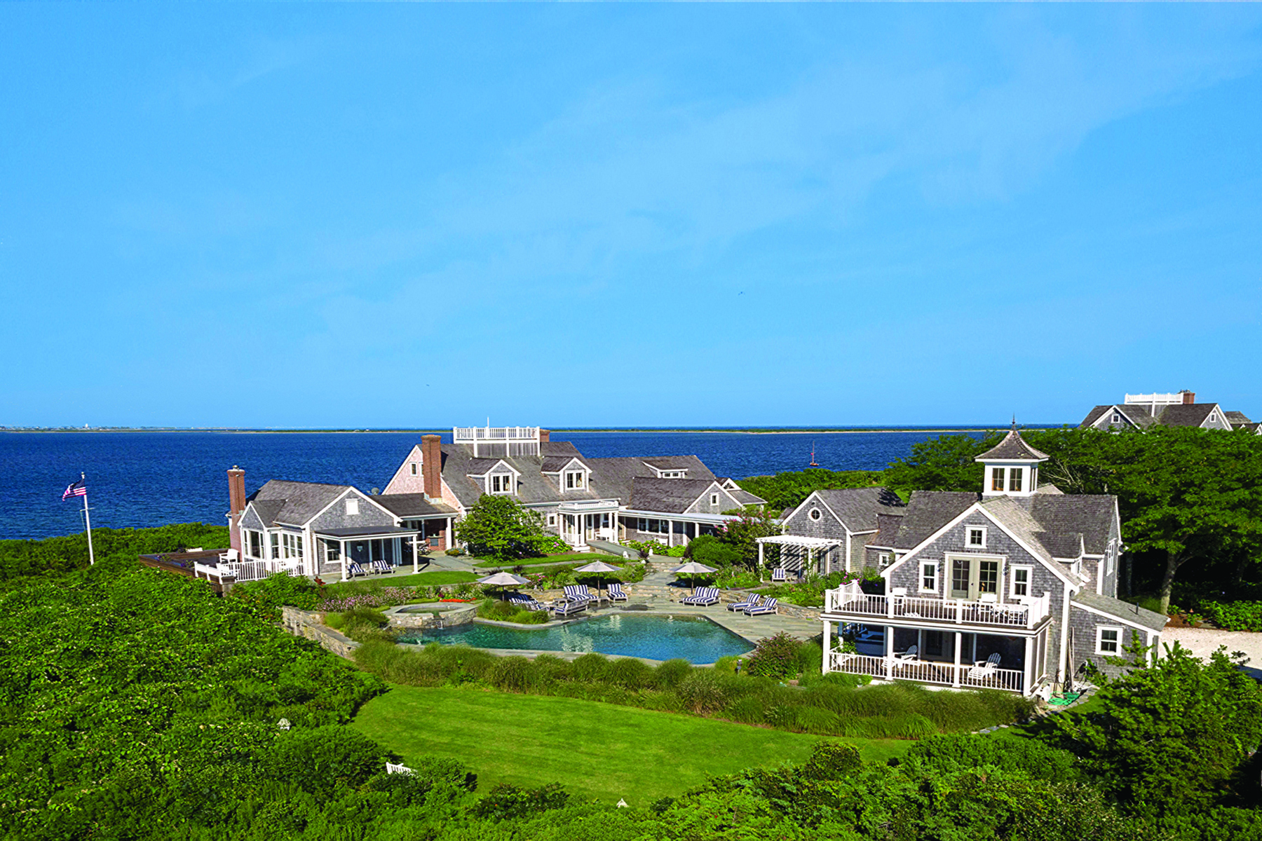 단독 가정 주택 용 매매 에 Entirely Unique Waterfront Estate 72 Pocomo Road 76 and 78 Pocomo Road Nantucket, 매사추세츠, 02554 미국