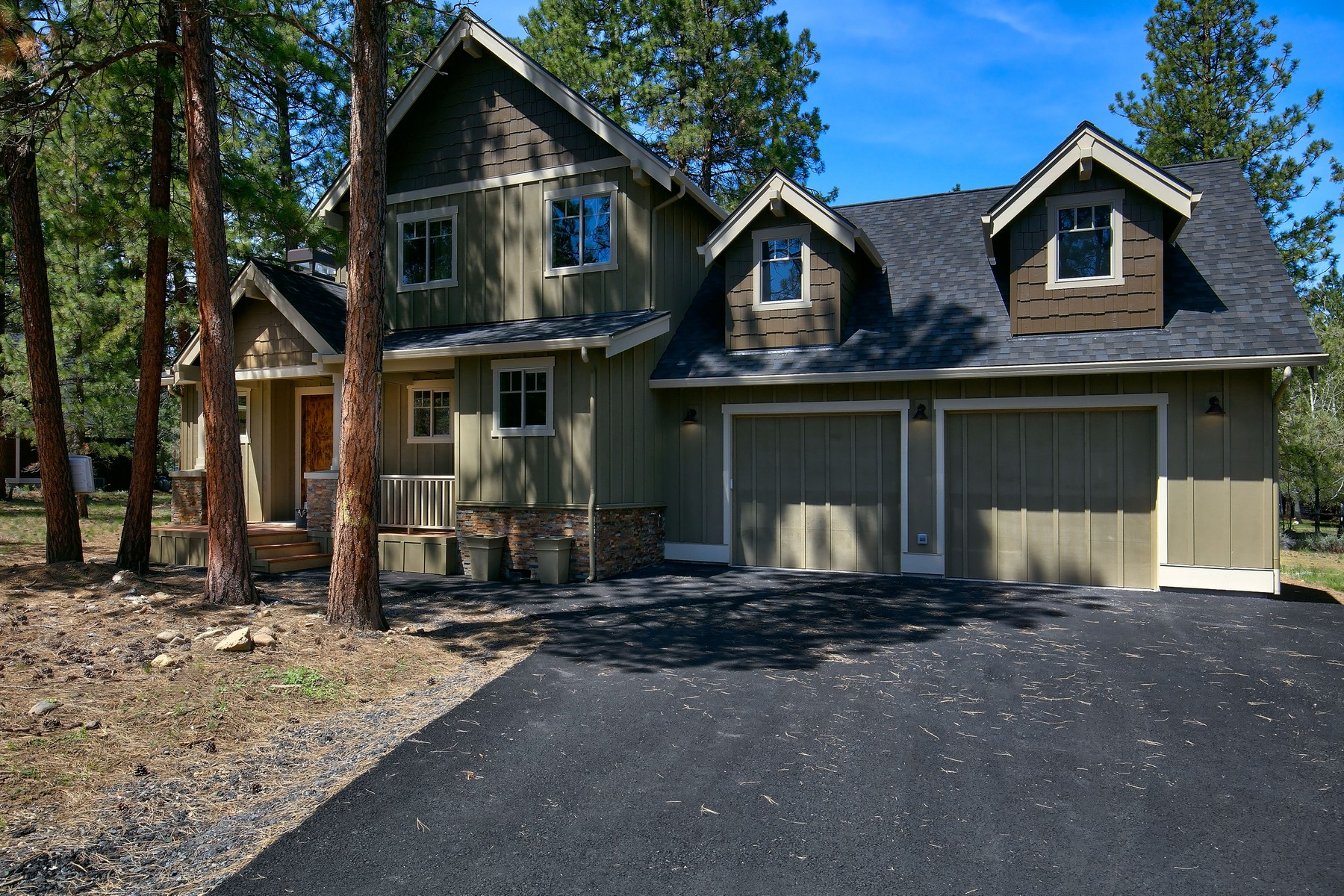 Single Family Homes for Active at 883 S Starry Skies Court Sisters, OR 883 S Starry Skies Ct Sisters, Oregon 97759 United States
