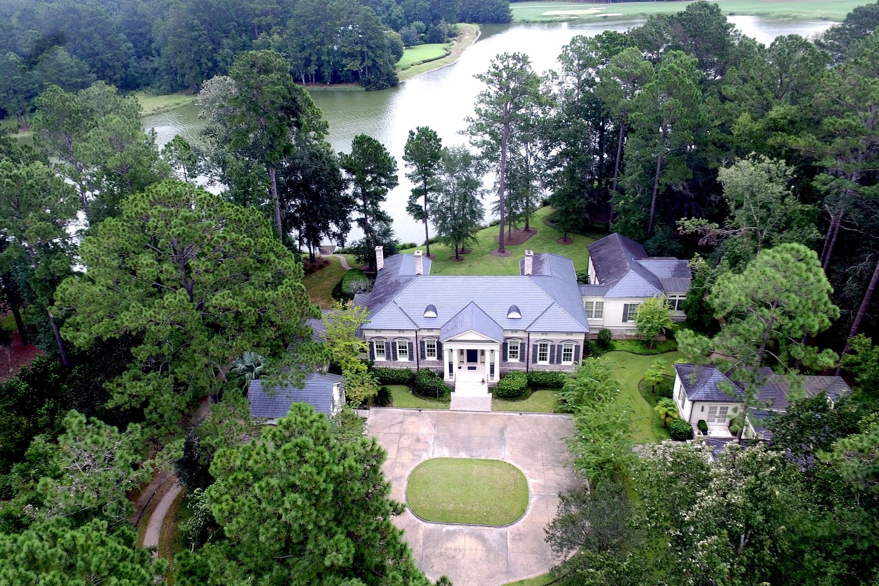 Single Family Homes for Active at 387 Belted Kingfisher Lane Richmond Hill, Georgia 31324 United States
