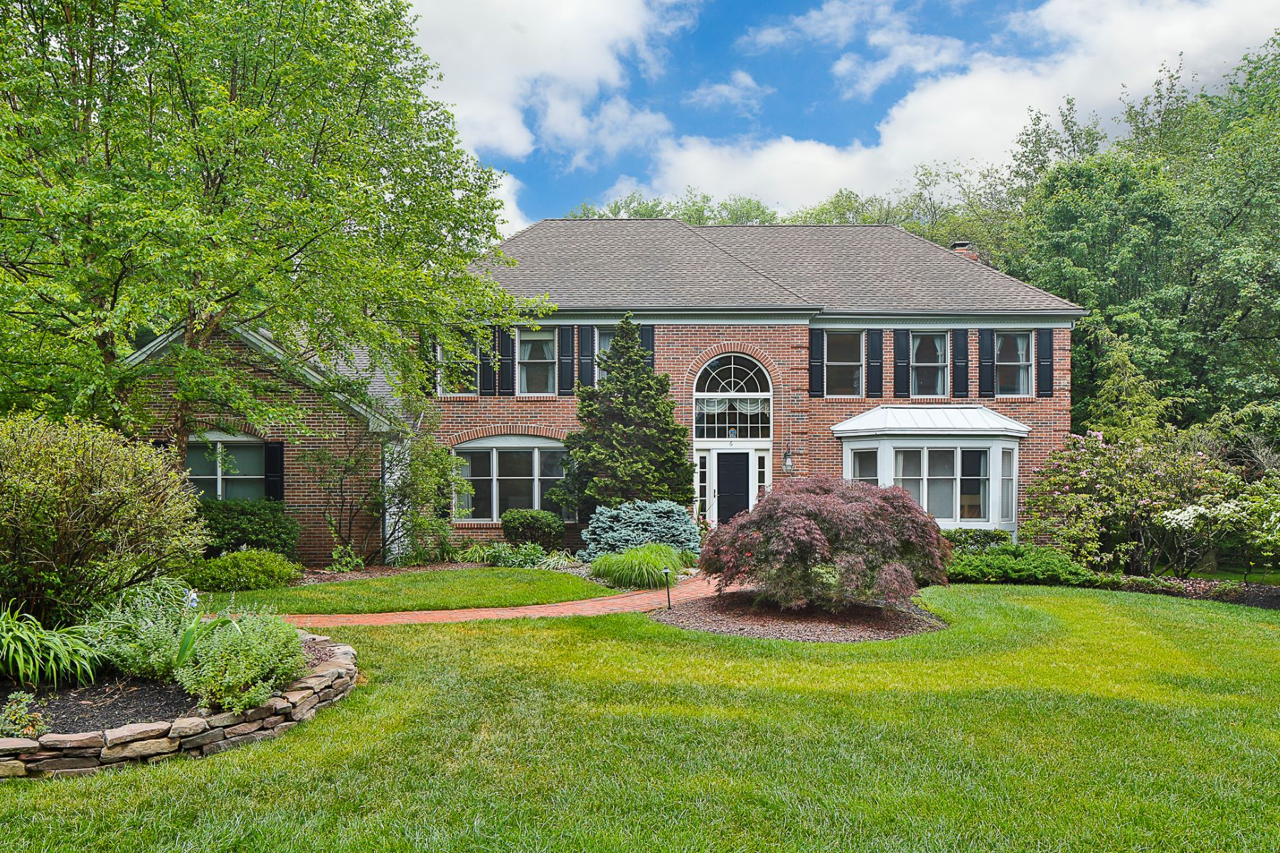 Maison unifamiliale pour l Vente à A Most Elegant Host and Haven in Kingsbrook 6 Registry Road, Lawrenceville, New Jersey 08648 États-UnisDans/Autour: Lawrence Township