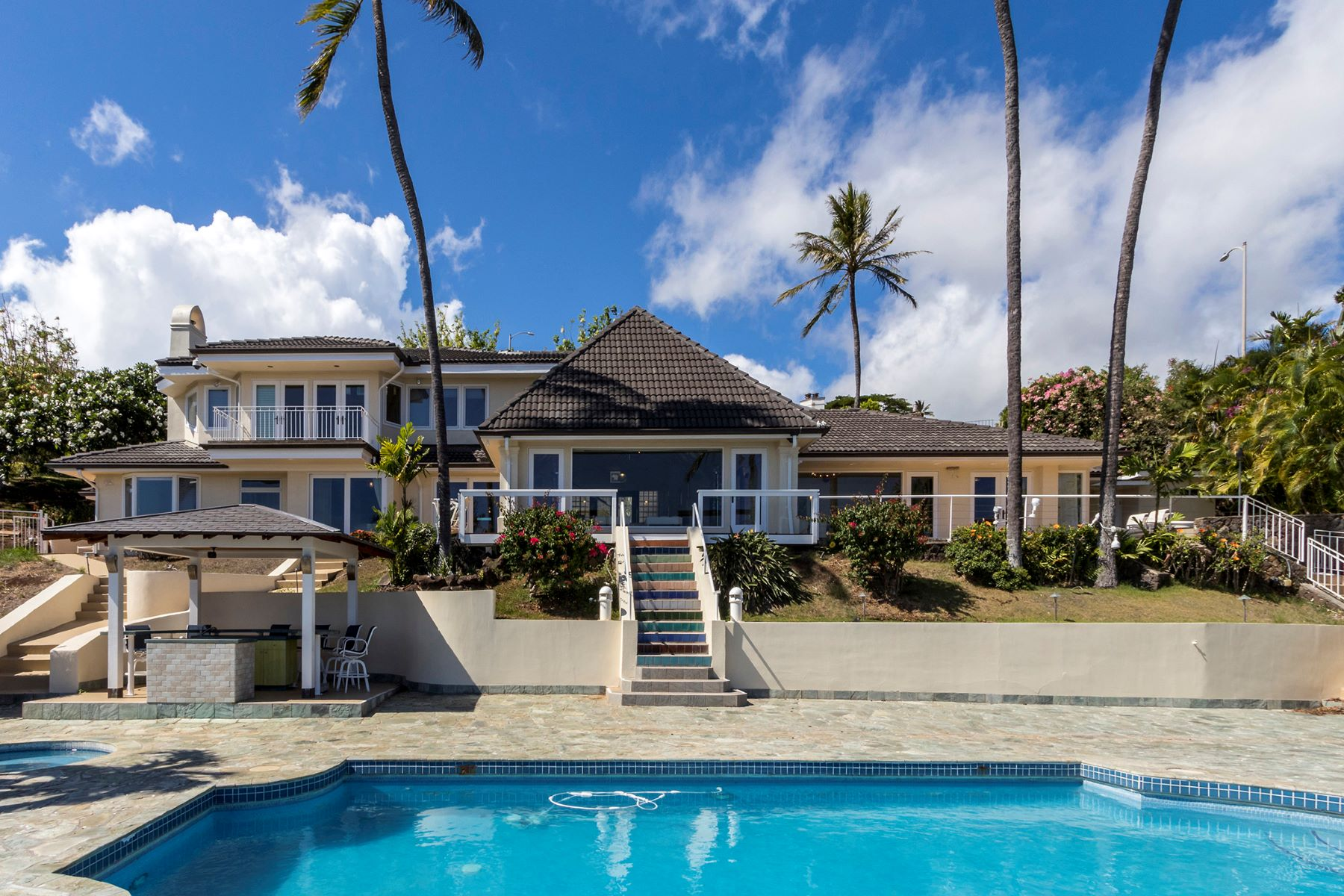 Single Family Homes for Active at Single Family Home, Hawaii Loa Ridge, Ocean View, Luxury Home 398 Puuikena Dr Honolulu, Hawaii 96821 United States