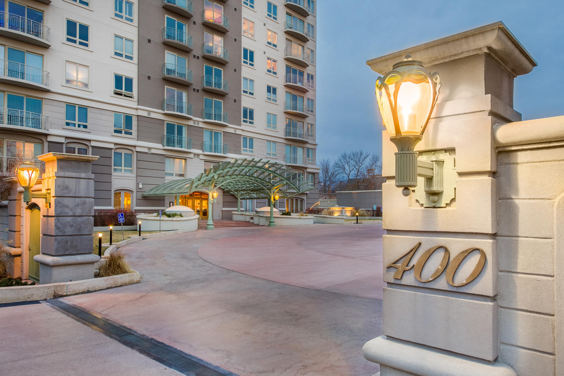 Condominium for Active at Great Location Between Cherry Creek And Downtown Denver! 400 E 3rd Ave #802 Denver, Colorado 80203 United States