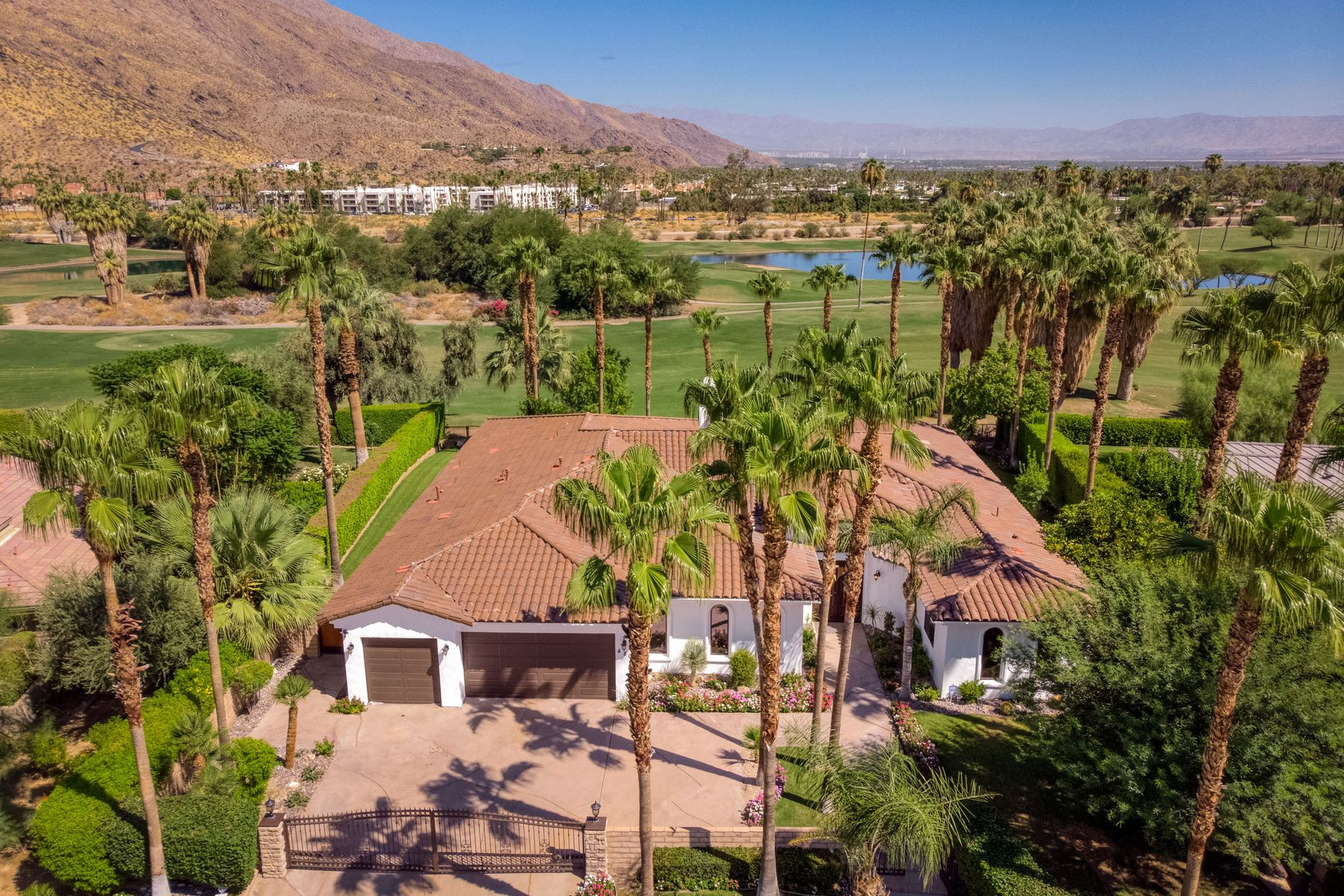 Single Family Homes for Sale at 480 E Bogert Trails 480 E Bogert Trail Palm Springs, California 92264 United States