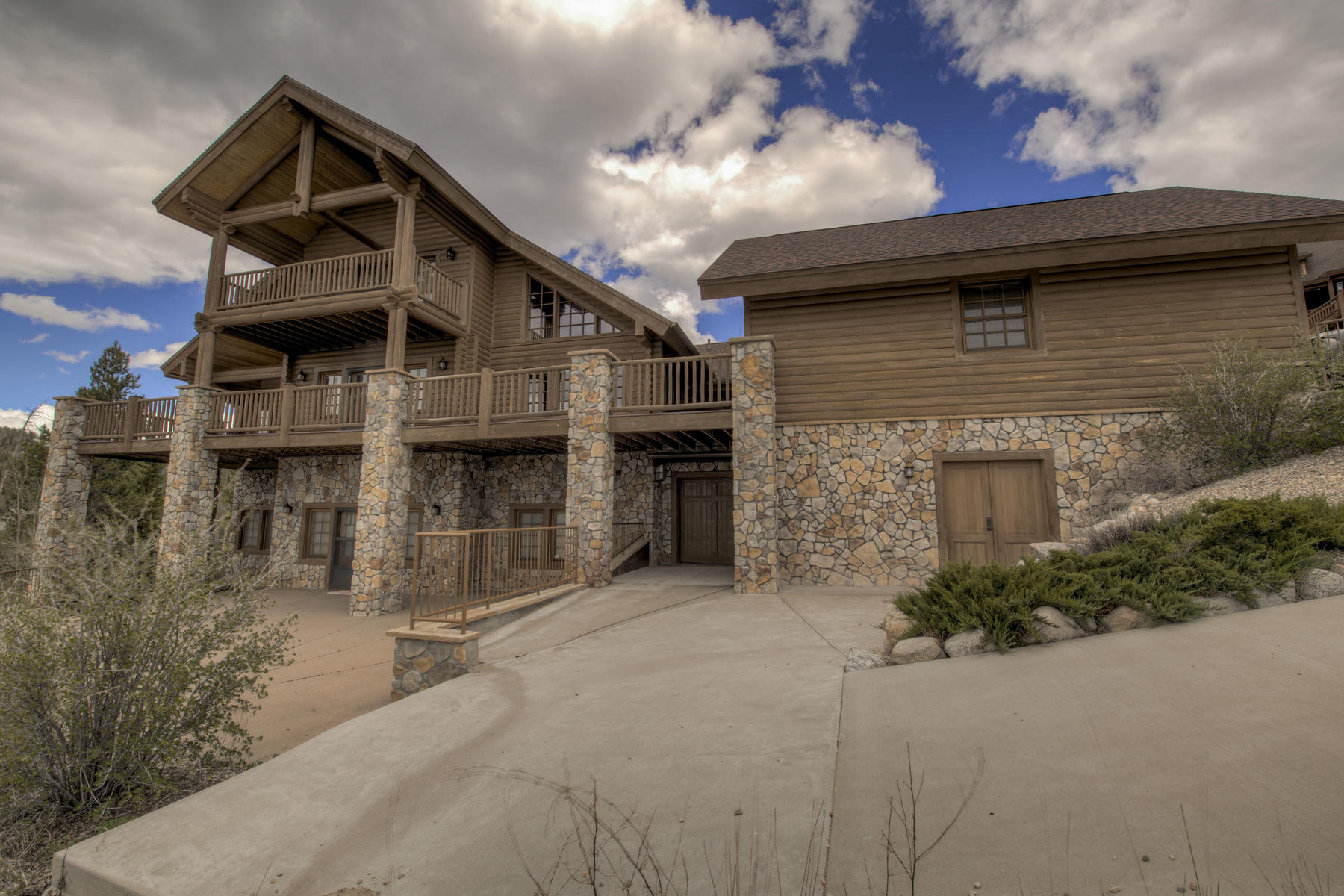 Single Family Homes for Sale at Mountain Luxury in Grand Lake 121 GCR 4485, Grand Lake, Colorado 80447 United States