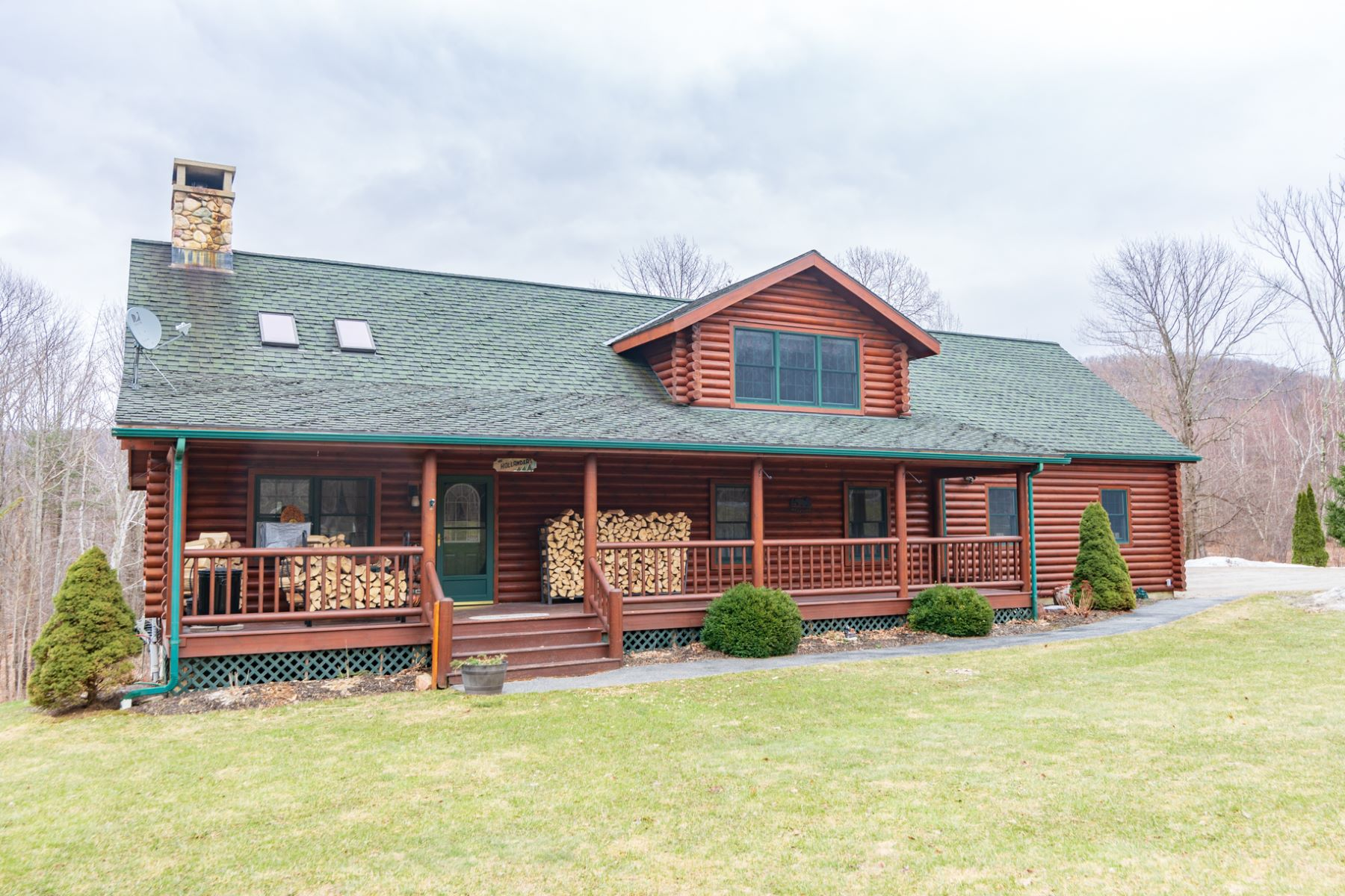 single family homes for Sale at Log Cabin with In-Law Suite/Apartment 5288 East Rd Shaftsbury, Vermont 05262 United States