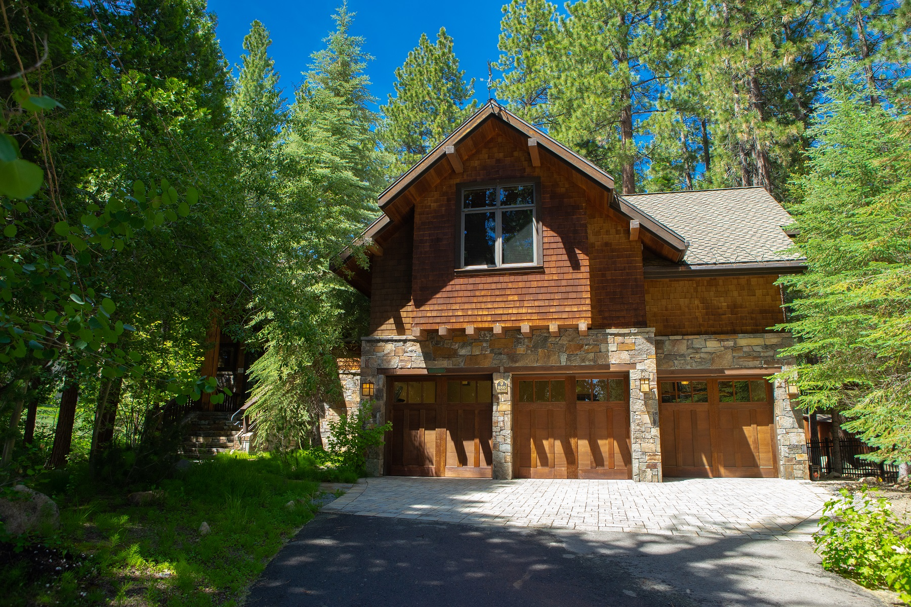 Single Family Homes for Active at 980 Tee Court, Incline Village, NV 980 Tee Court Incline Village, Nevada 89451 United States