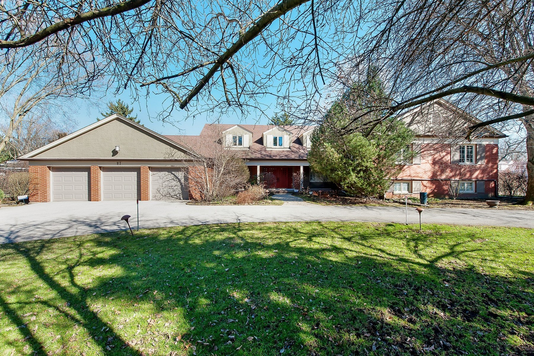 Single Family Home for Sale at Stunning and Spaciousmove in ready home 27 Meadowview Drive Winnetka, Illinois 60093 United States