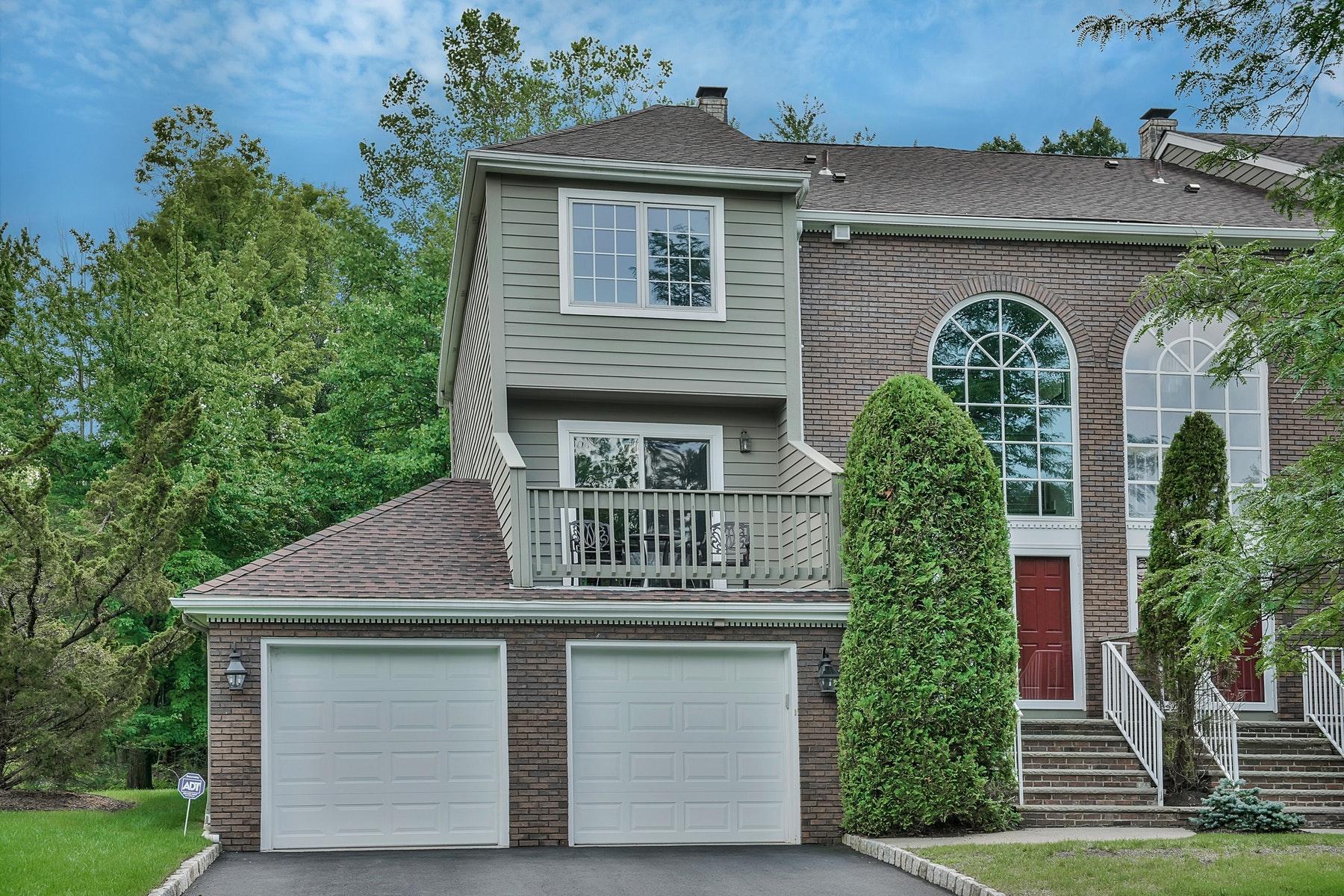 联栋屋 为 出租 在 2 20 Dorset Circle Caldwell, 新泽西州 07006 美国