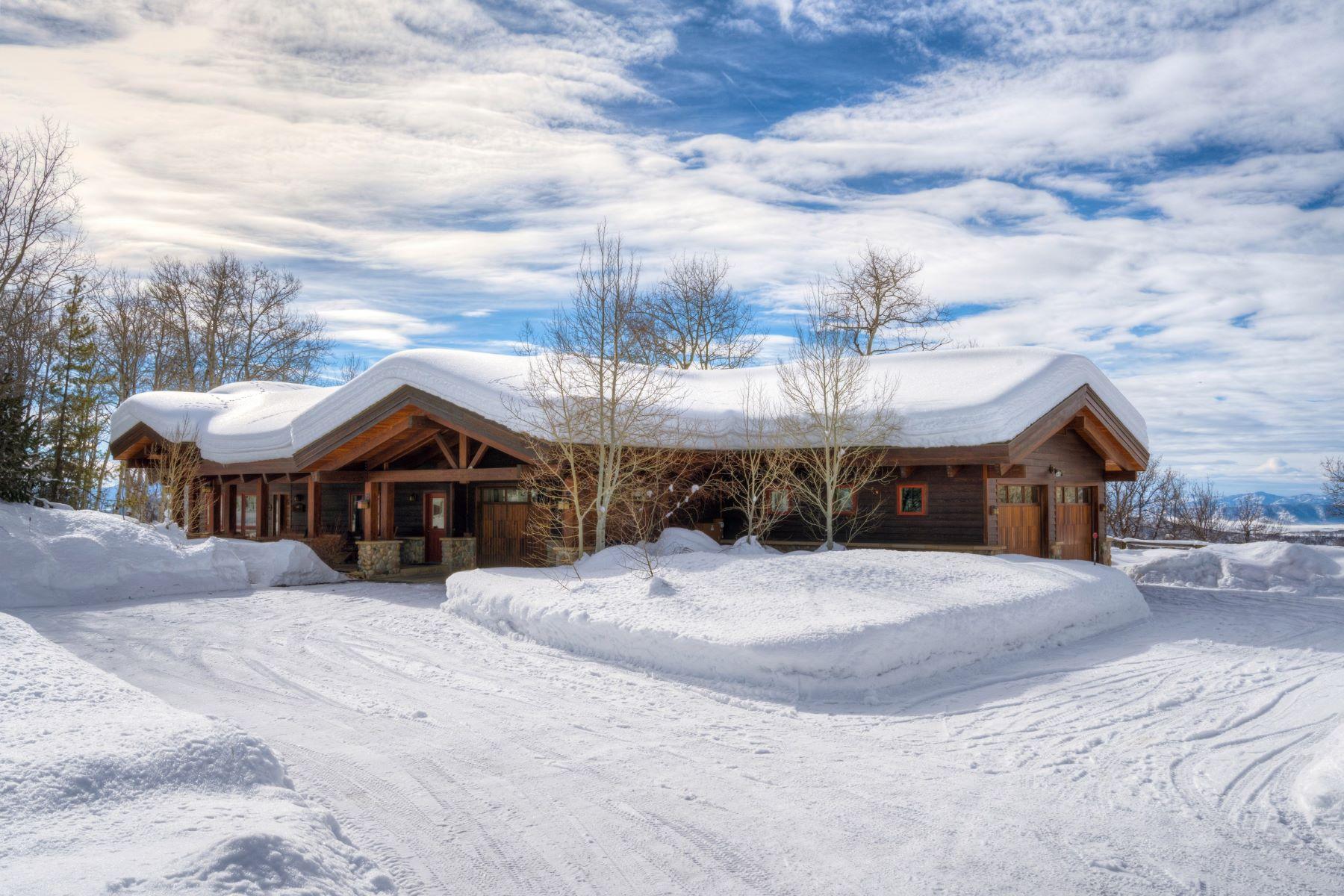 Maison unifamiliale pour l Vente à Buffalo Pass Retreat 32650 County Road 38 Steamboat Springs, Colorado, 80487 États-Unis