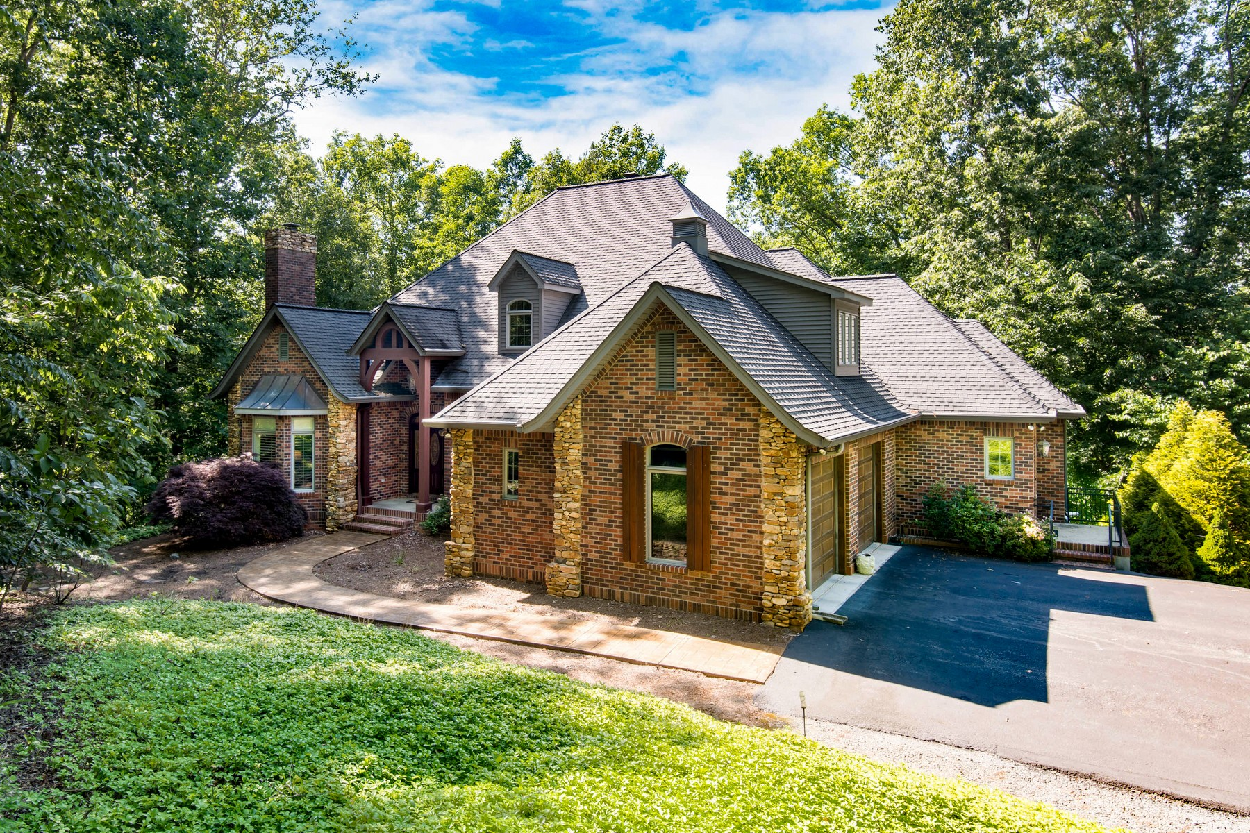 Single Family Homes for Active at 1325 Mcentire Road in Tryon, NC 1325 Mcentire Road Tryon, North Carolina 28782 United States