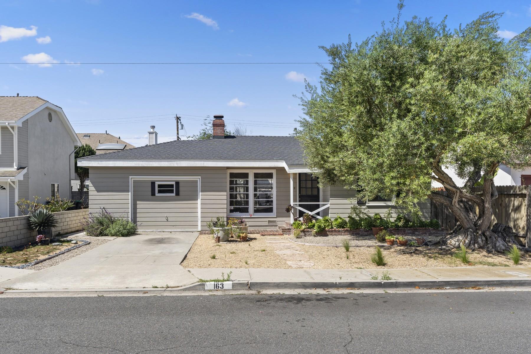Duplex Homes por un Venta en 163 Magnolia Street Costa Mesa, California 92627 Estados Unidos