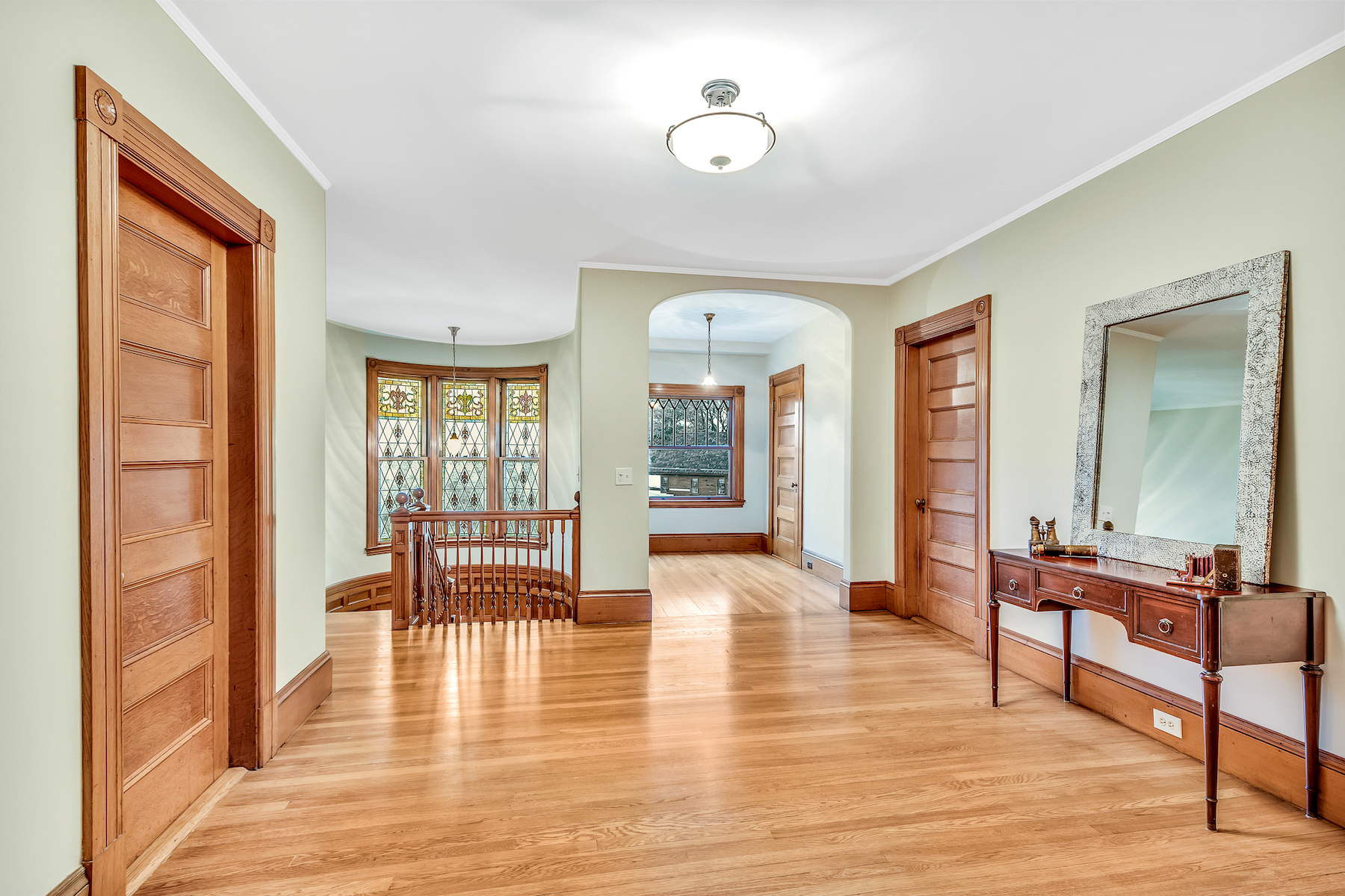 Additional photo for property listing at Queen Anne Victorian 148 Bellevue Avenue Melrose, Massachusetts 02176 United States