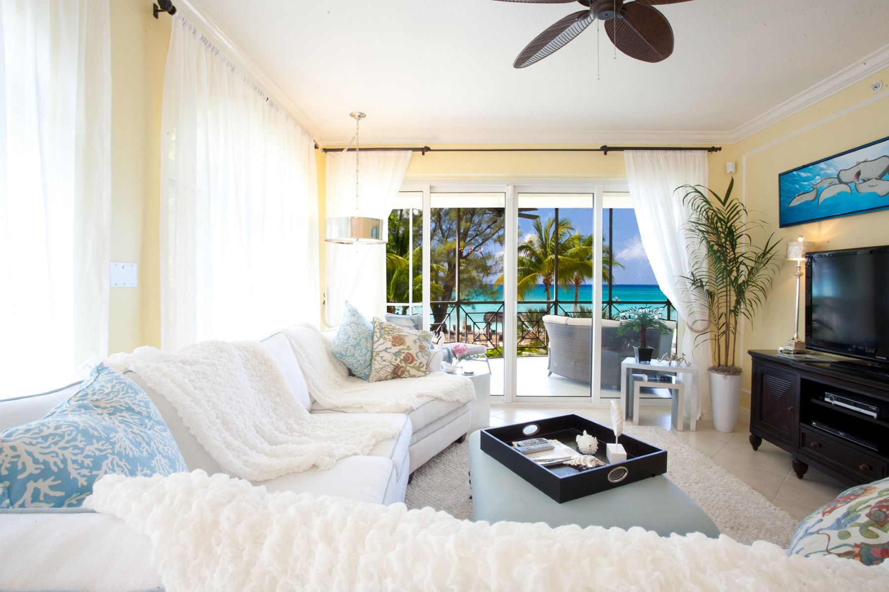 Additional photo for property listing at The Meridian, Seven Mile Beach Seven Mile Beach,  Cayman Islands