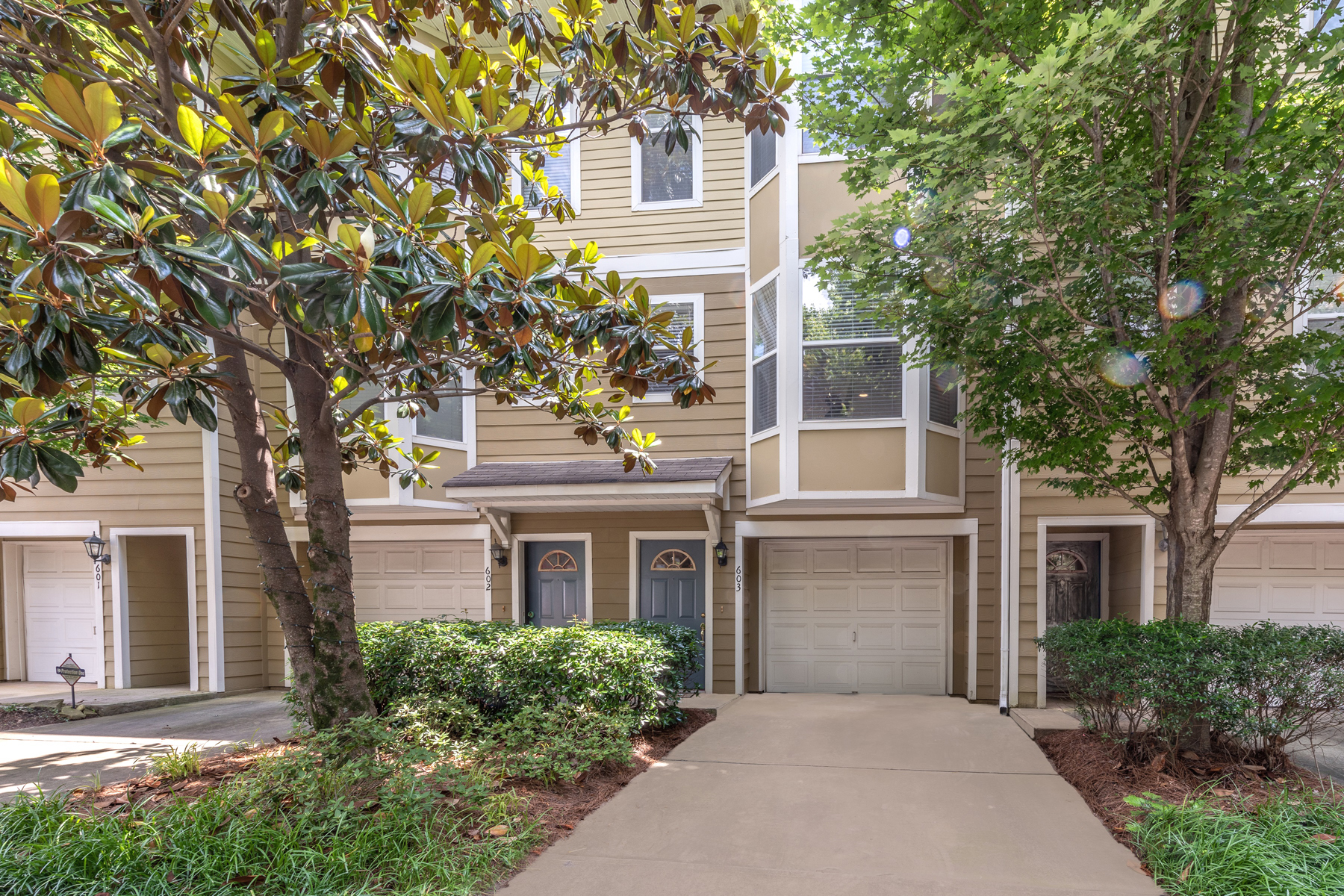 Townhouse for Sale at Recently Renovated Townhome 951 Glenwood Ave 603 Atlanta, Georgia 30316 United States