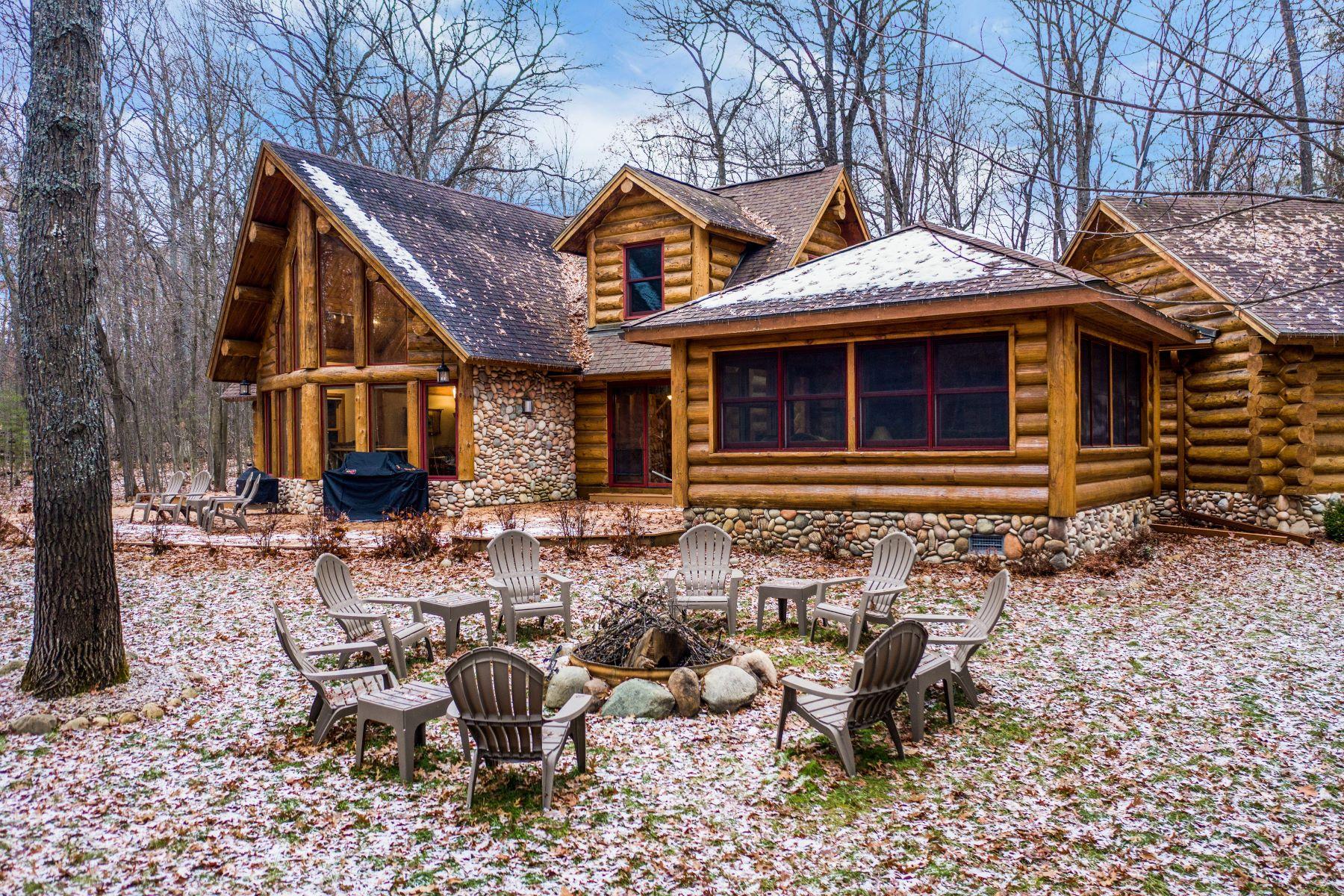 Single Family Homes para Venda às Lewiston 137 Garland Woods, Lewiston, Michigan 49756 Estados Unidos