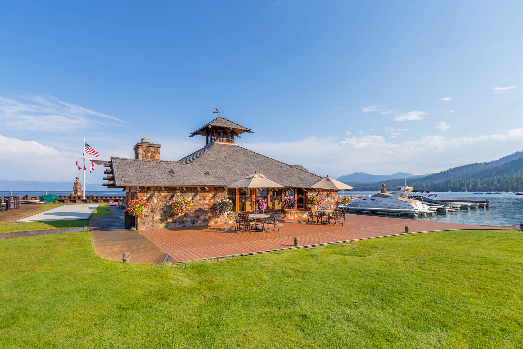 Additional photo for property listing at Concierge Living at Lake Tahoe 4000 W Lake Blvd. #20 Homewood, California 96141 United States