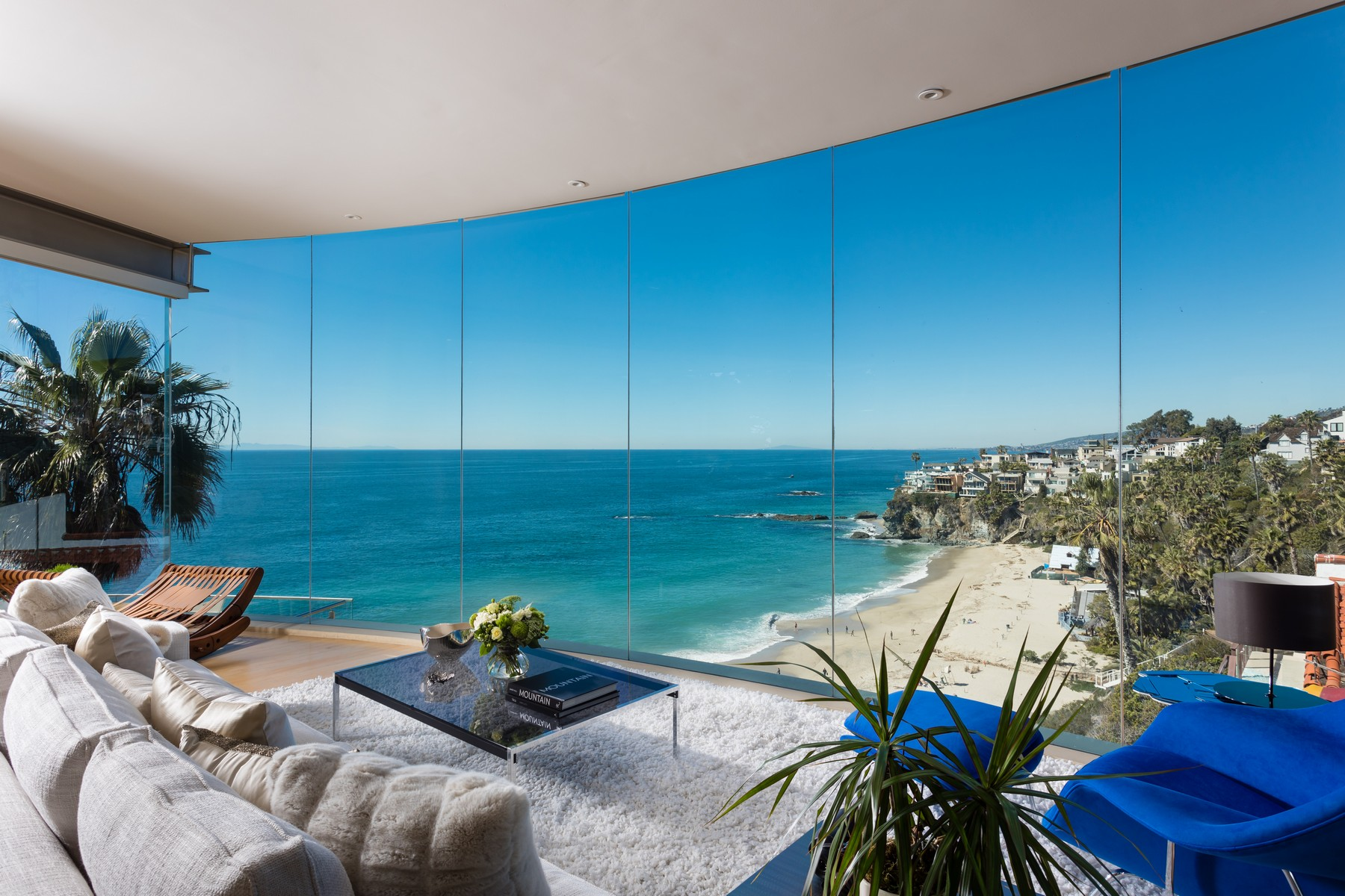 Single Family Homes for Sale at 32013 Point Place Laguna Beach, California 92651 United States