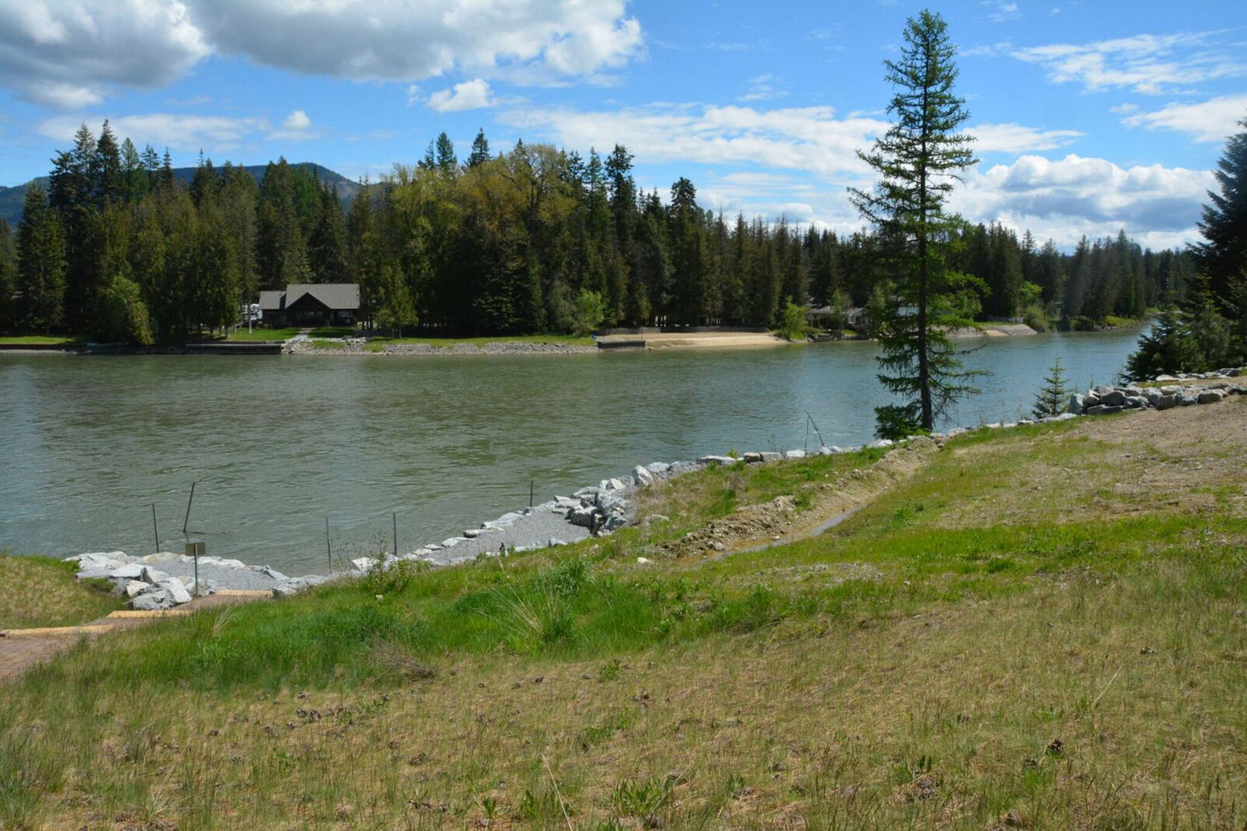 Terreno per Vendita alle ore Lot 6 Hidden River Estates 0 Larch Priest River, Idaho, 83856 Stati Uniti