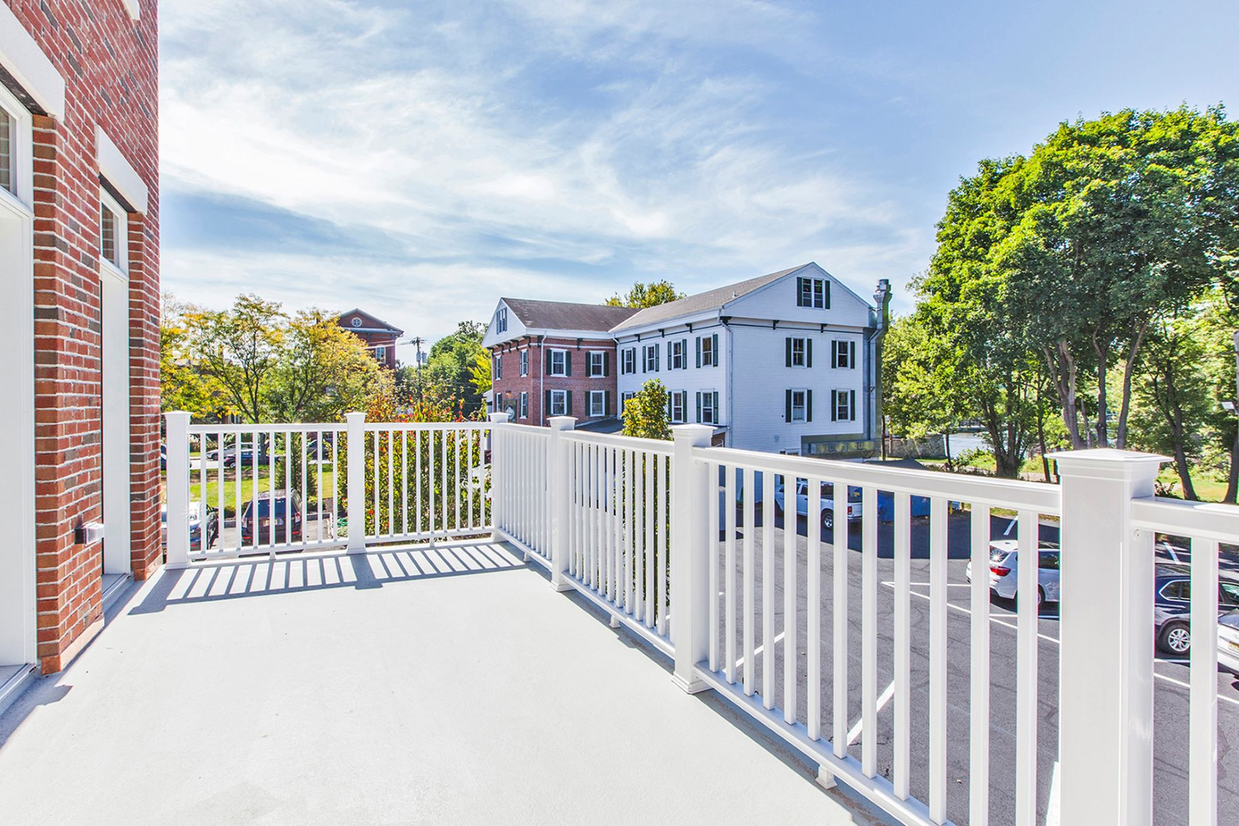 Additional photo for property listing at Twenty Outstanding Waterfront Townhouses 1 River Mills Drive B1 Frenchtown, Нью-Джерси 08825 Соединенные Штаты