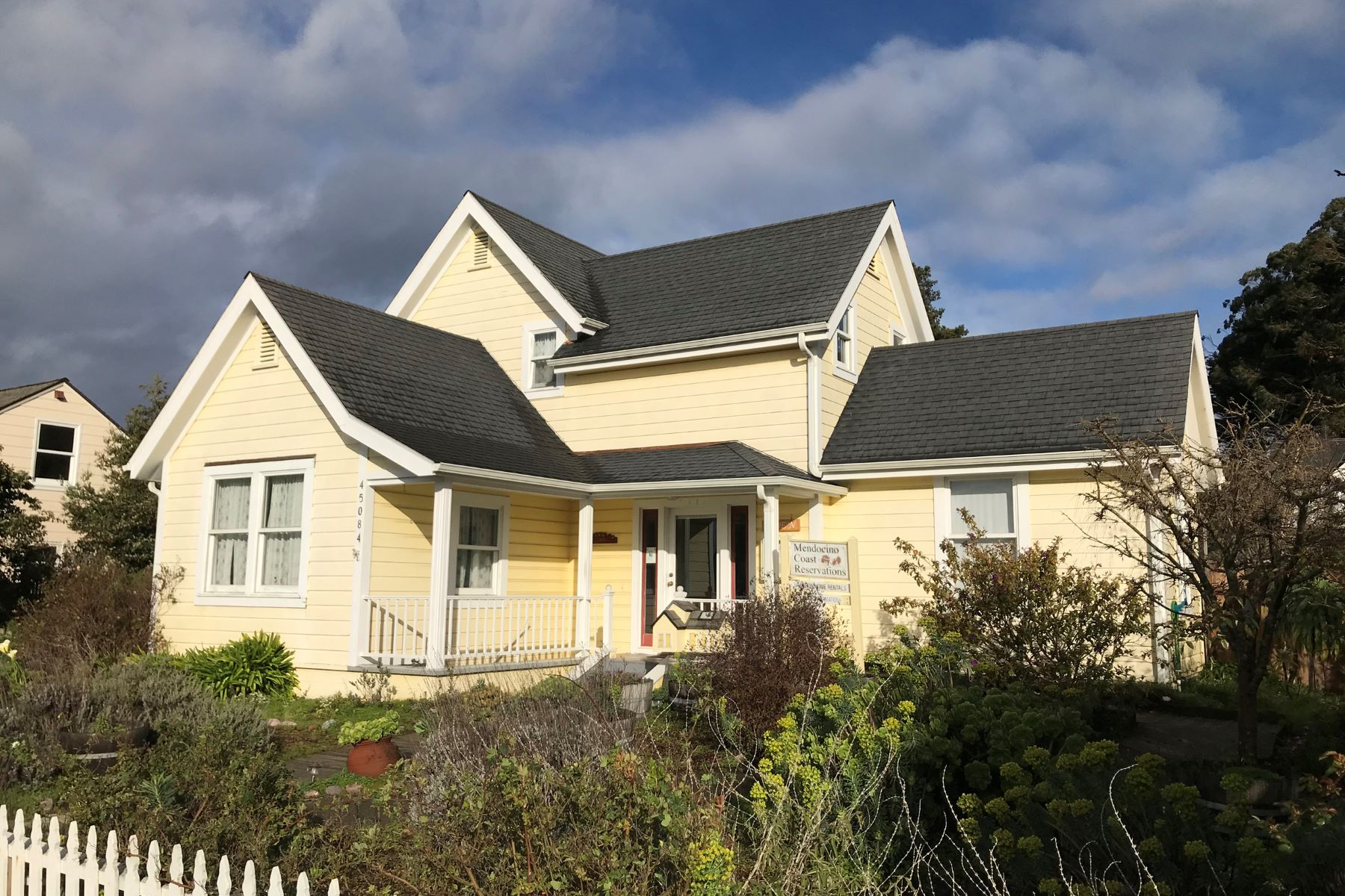 Single Family Home for Sale at Mendocino Residential/Commercial 45084 Little Lake Street Mendocino, California 95460 United States