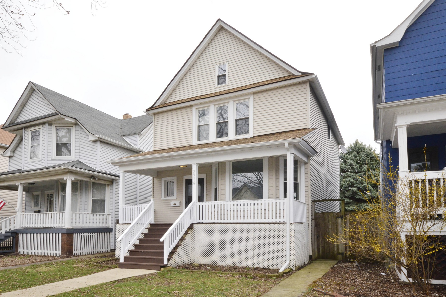 Single Family Home for Sale at Newly-Renovated Three Bedroom Home 2219 N Monticello Avenue Chicago, Illinois 60647 United States