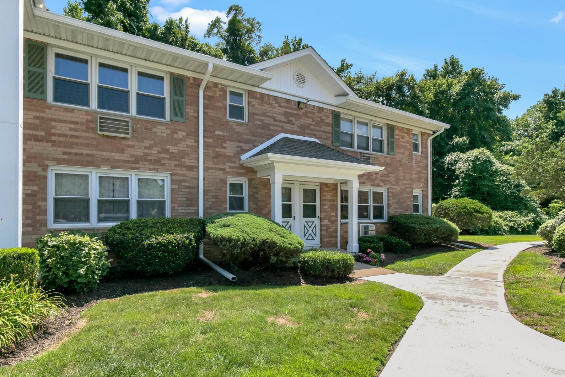 Condominiums pour l Vente à Navesink Cove 96 East Ave - #81, Atlantic Highlands, New Jersey 07716 États-Unis
