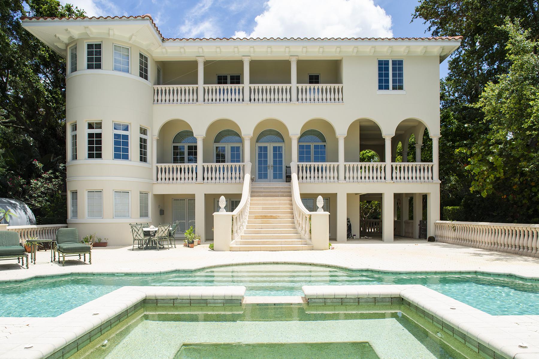 Vivienda unifamiliar por un Venta en ST. PETERSBURG 1838 Park St N St. Petersburg, Florida 33710 Estados Unidos