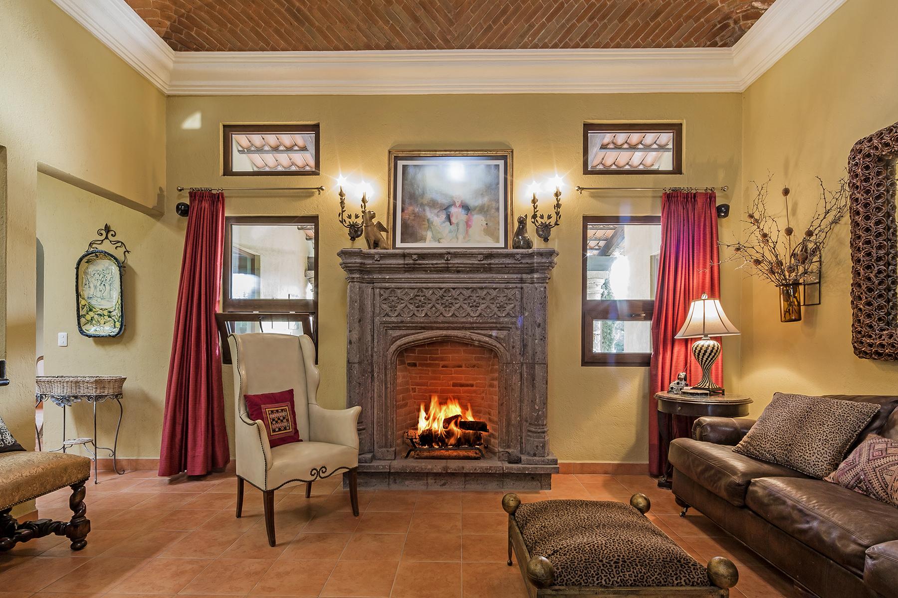 Additional photo for property listing at Casa Tinka Los Labradores, San Miguel De Allende, Guanajuato México