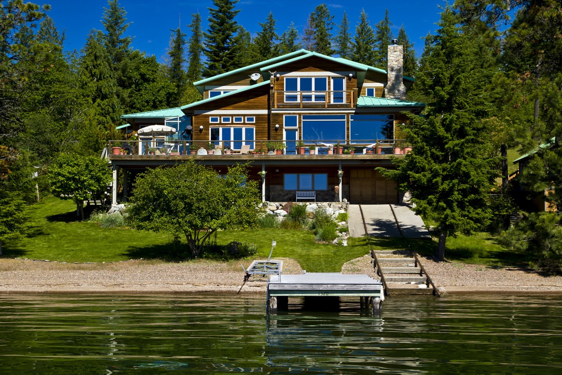 Single Family Homes pour l Vente à Majestic Martin Bay Custom Home 771 Martin Bay Rd Sagle, Idaho 83860 États-Unis