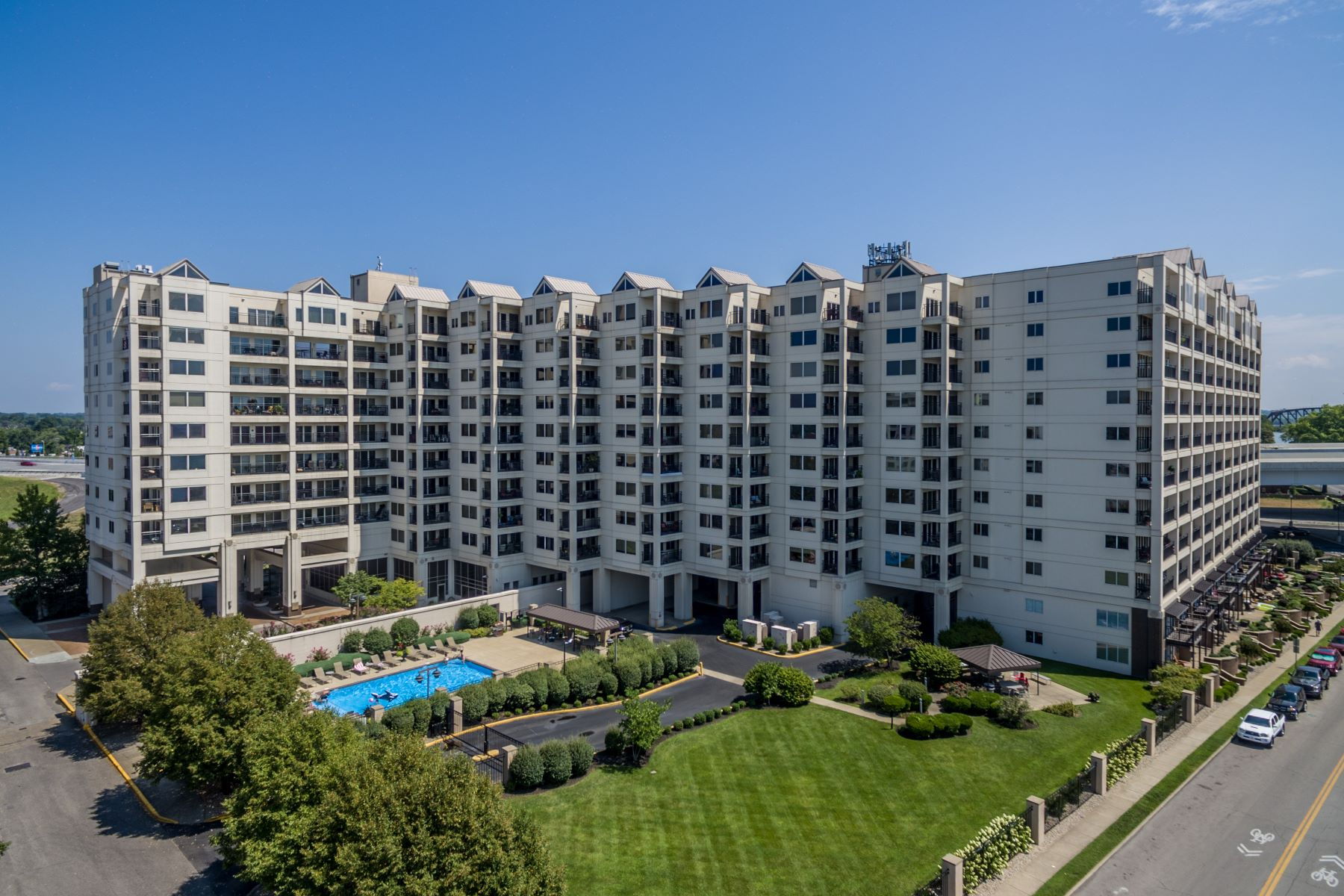 condominiums for Active at 1 Riverpointe Plaza #1113 Jeffersonville, Indiana 47130 United States