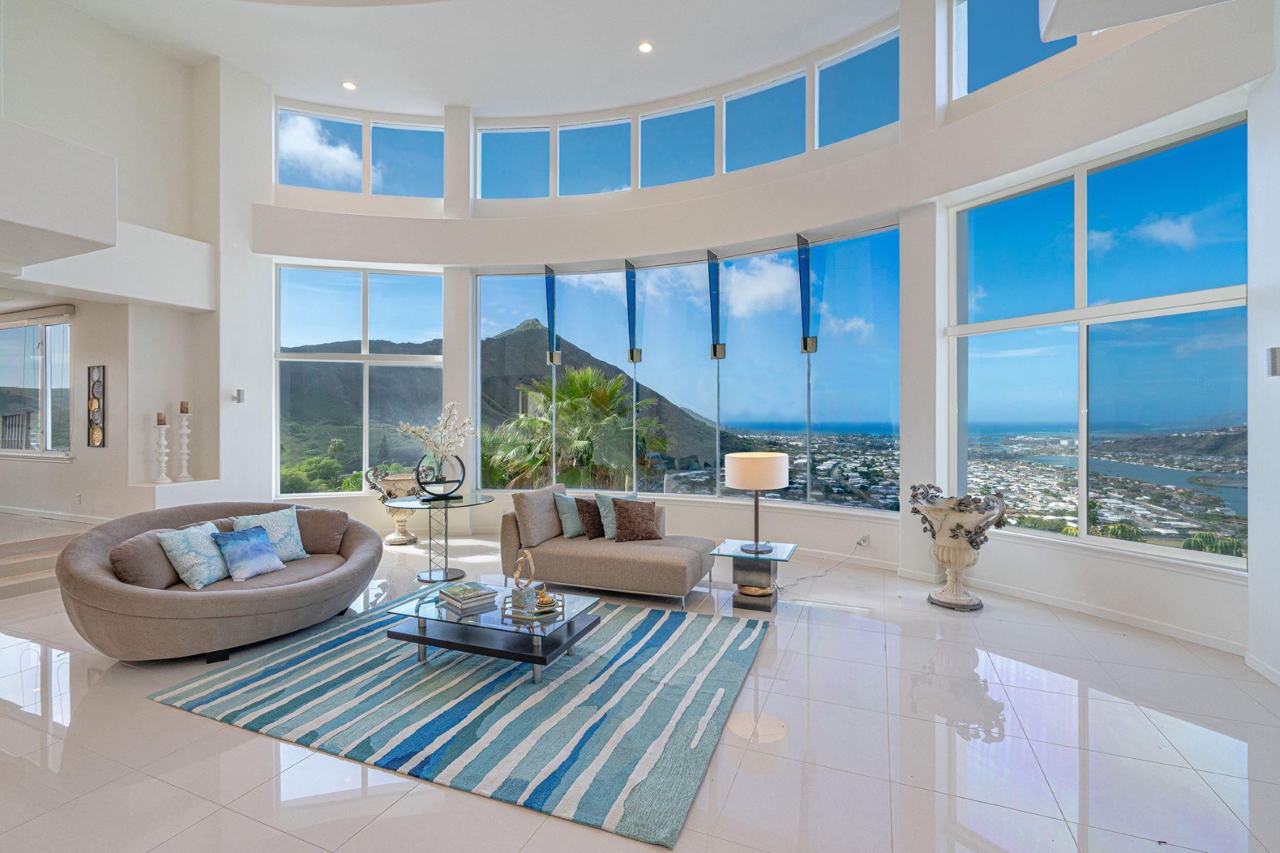 Single Family Homes 为 销售 在 Single Family Home, Hawaii Kai, Diamond Head Views, Ocean Views 114 Hanohano Place 火奴鲁鲁, 夏威夷 96825 美国