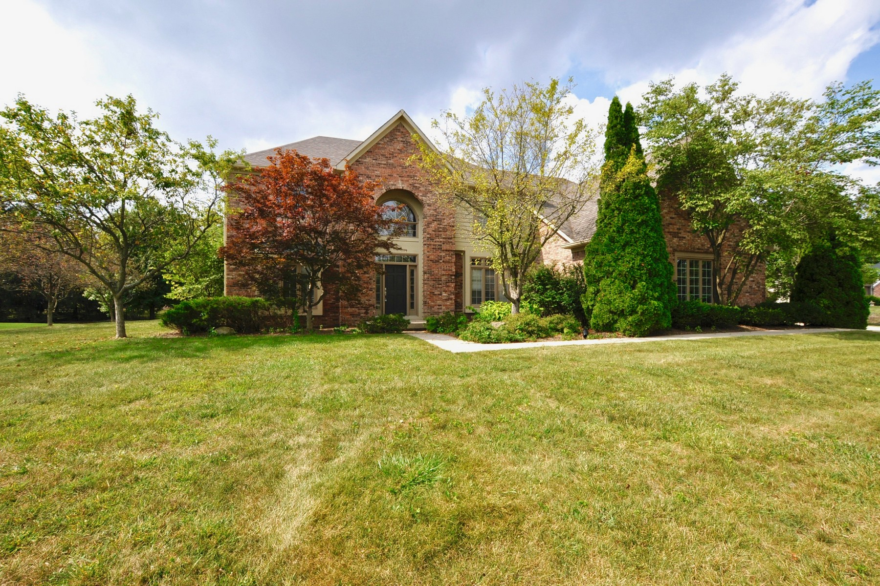 Single Family Home for Sale at Classic Carmel home in Popular Ashton Neighborhood 5541 White Hall Way Carmel, Indiana 46033 United States