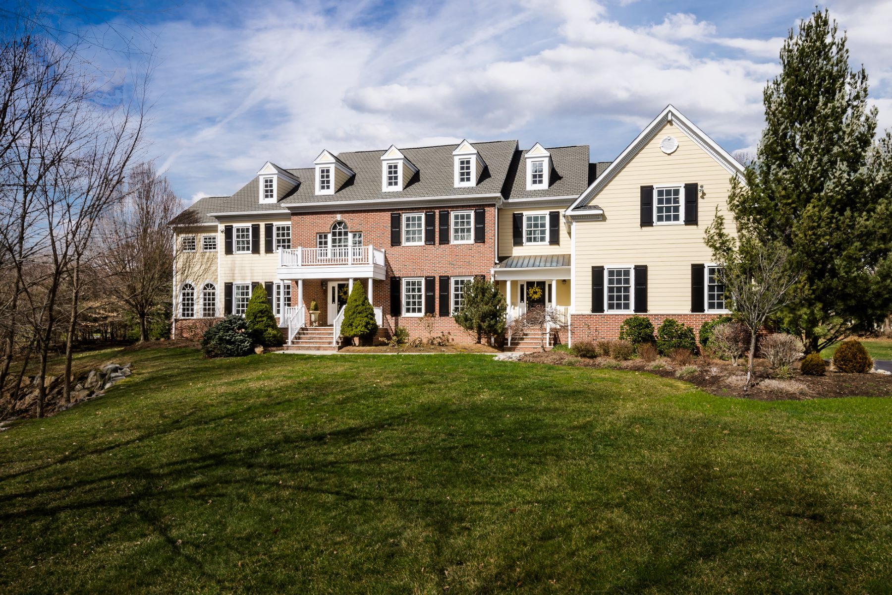 Maison unifamiliale pour l Vente à Start Your Search Here - Montgomery Township 48 High Ridge Road Skillman, New Jersey 08558 États-Unis