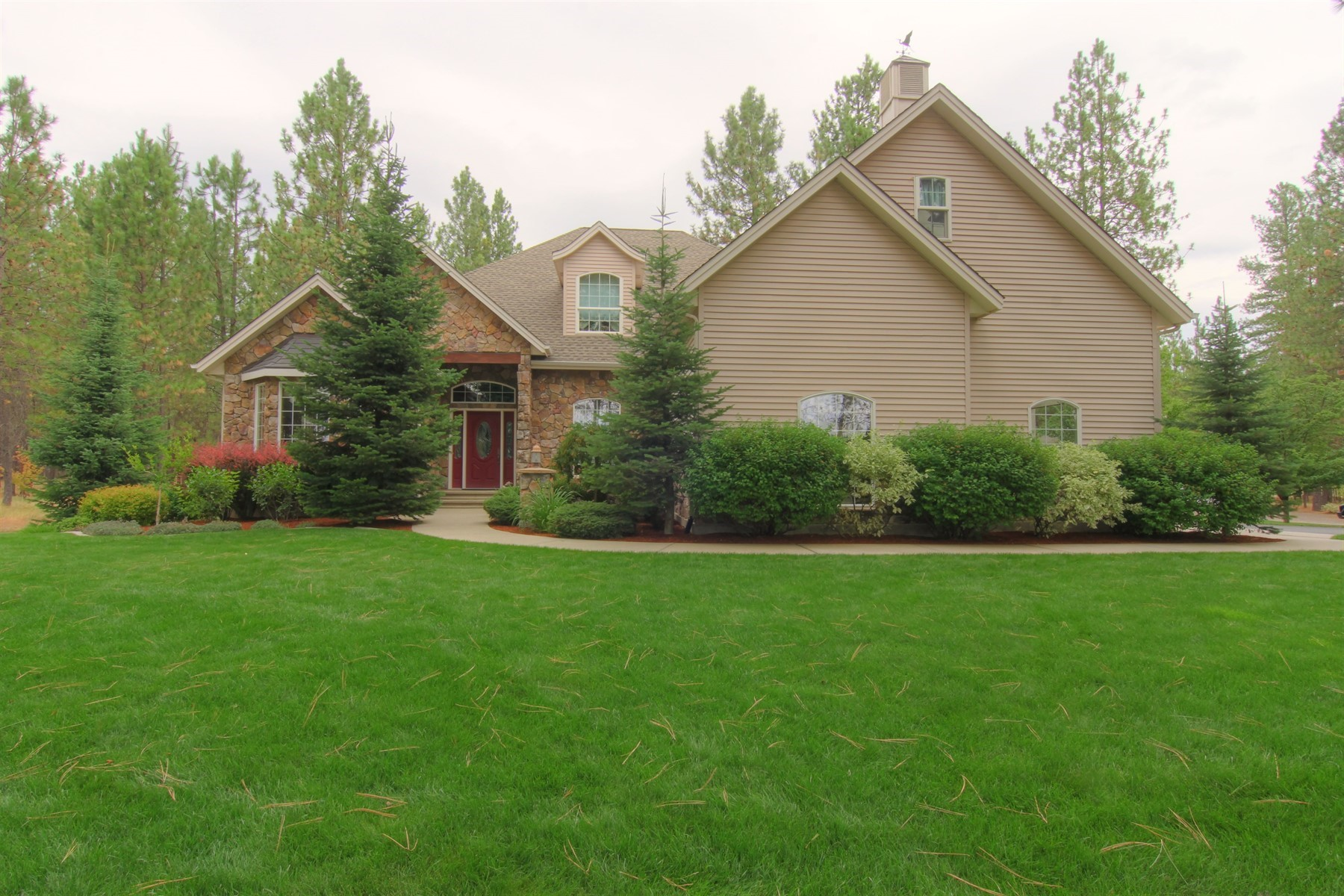 Single Family Homes for Sale at Private, Peaceful, Perfect 5023 E Kirk Ln Colbert, Washington 99005 United States
