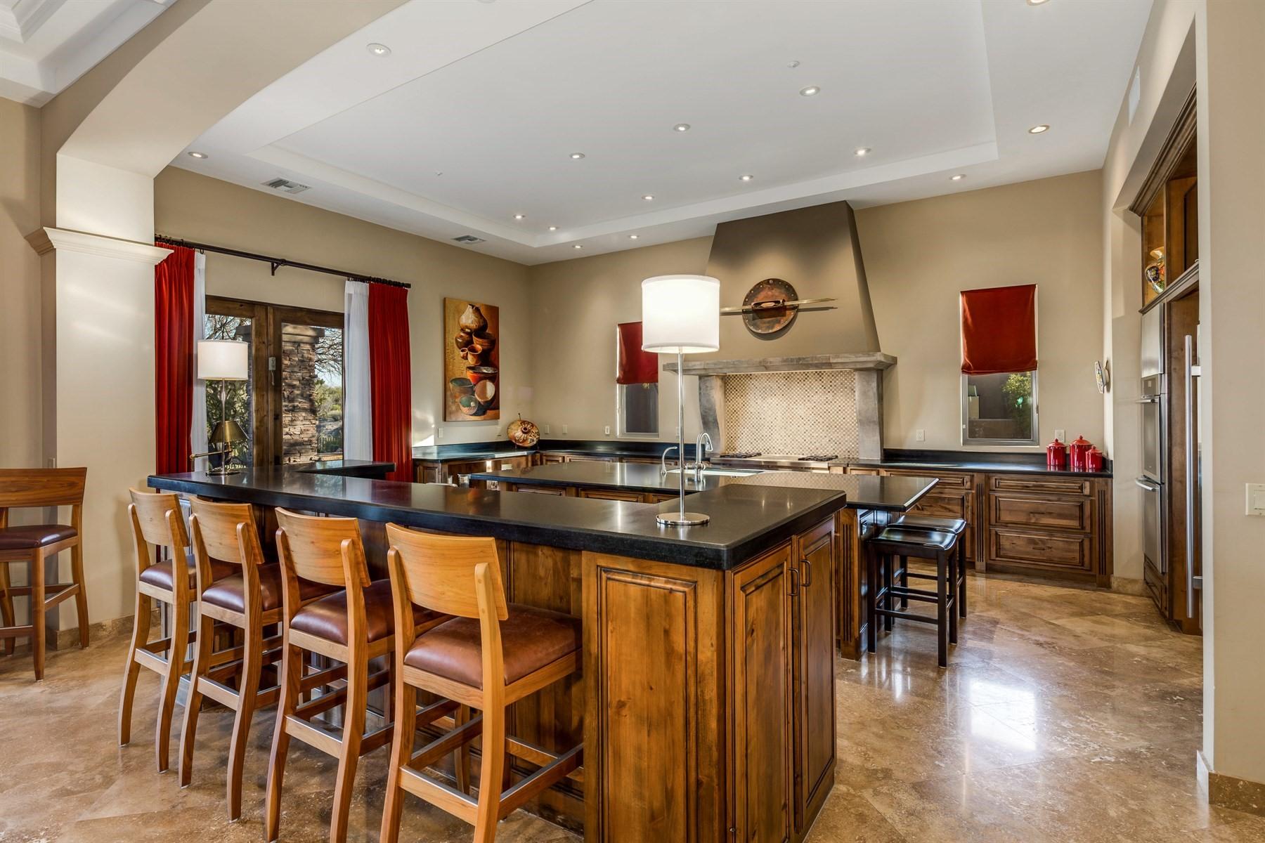 Частный односемейный дом для того Продажа на Custom Scottsdale Home in Legend Vista 35159 N 98th St, Scottsdale, Аризона, 85262 Соединенные Штаты