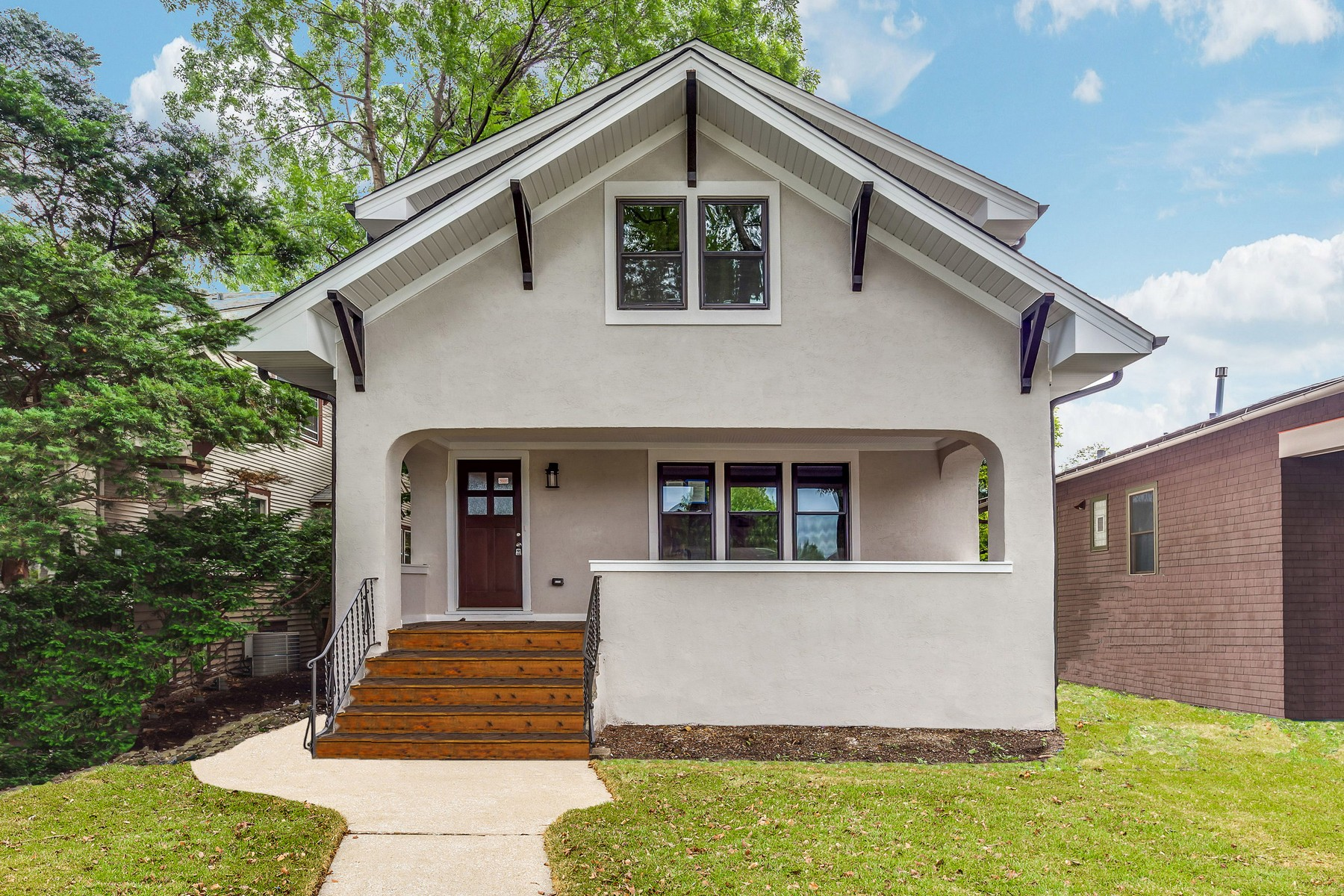 Single Family Home for Sale at Classic Stucco Bungalow 930 N Taylor Avenue Oak Park, Illinois 60302 United States