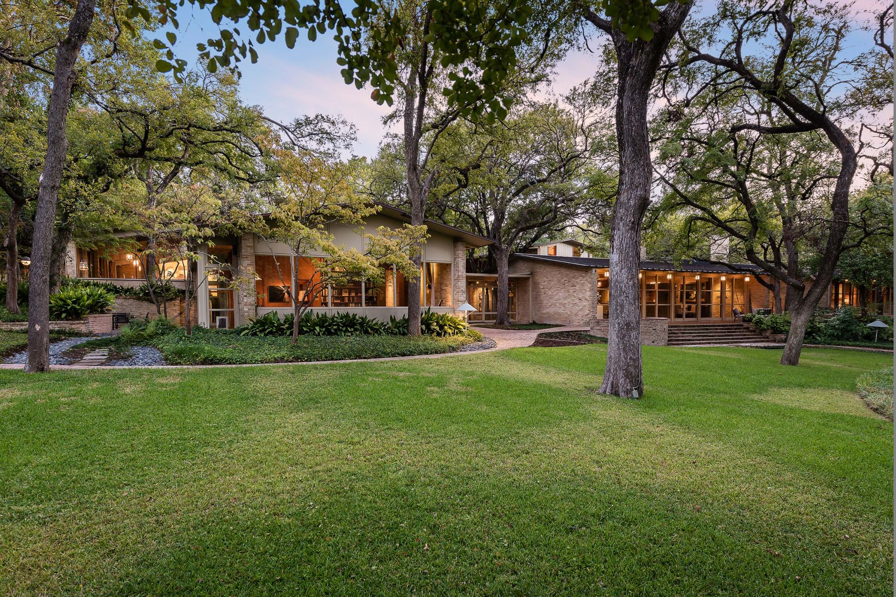 Single Family Homes for Sale at 5455 Northbrook Drive Dallas, Texas 75220 United States