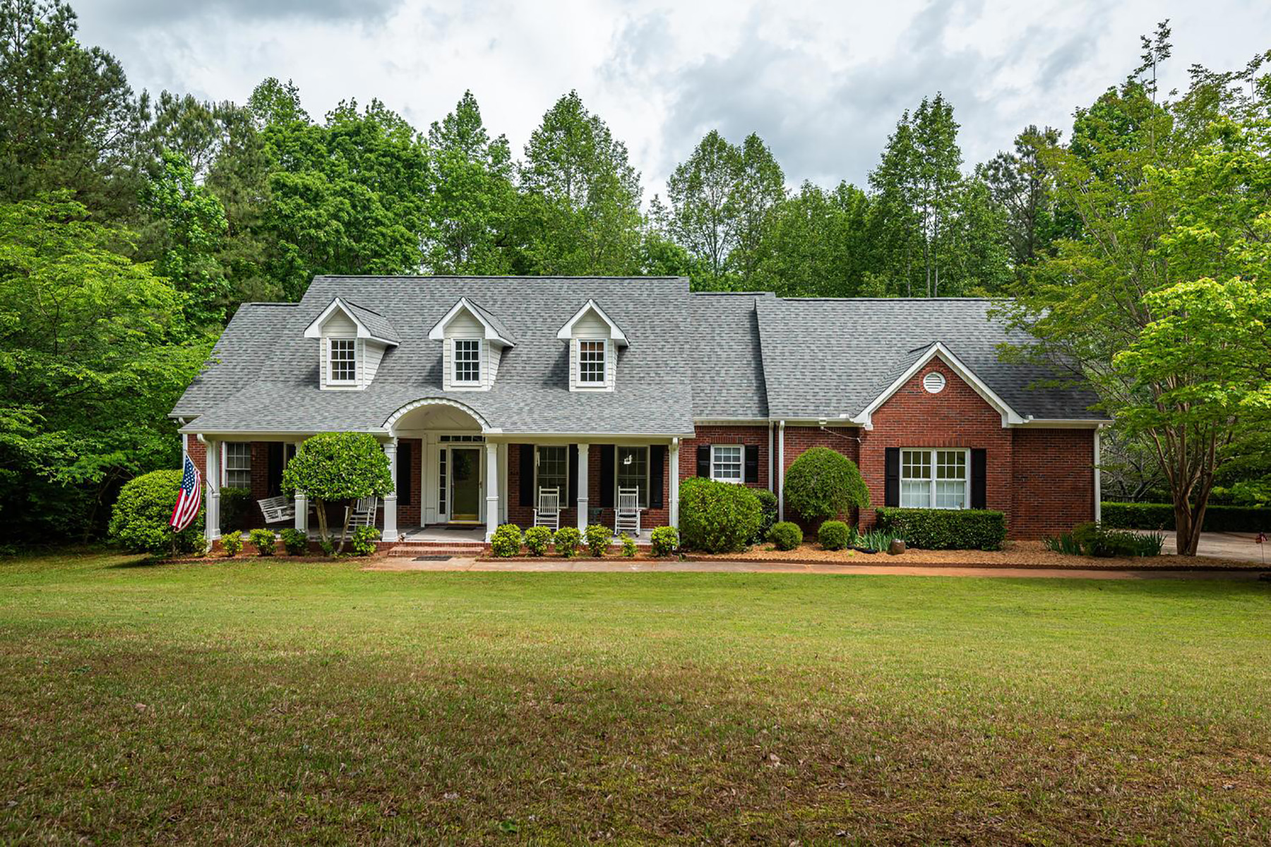 Single Family Homes for Sale at Private Lot on Three Plus Acres With Master On The Main And Pool 8168 Jenkins Road Winston, Georgia 30187 United States